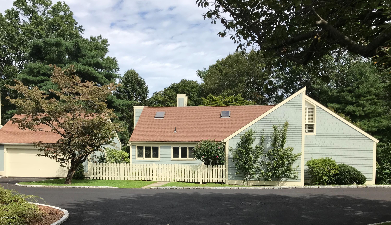 6 Lyon Farm Drive,Greenwich,Connecticut 06831,3 Bedrooms Bedrooms,3 BathroomsBathrooms,Condominium,Lyon Farm,105740