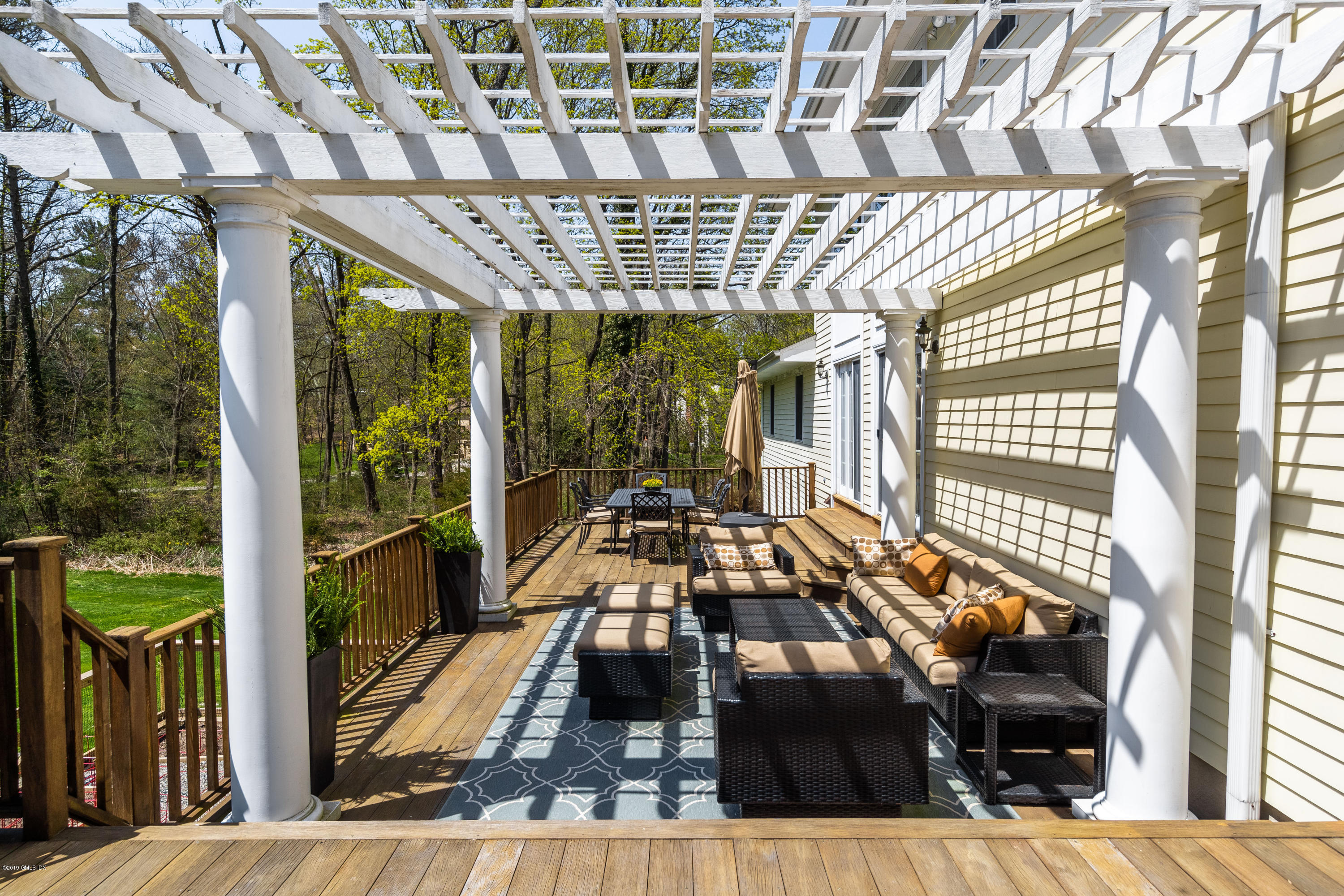 17 Rustic View Road, Greenwich, CT 06830