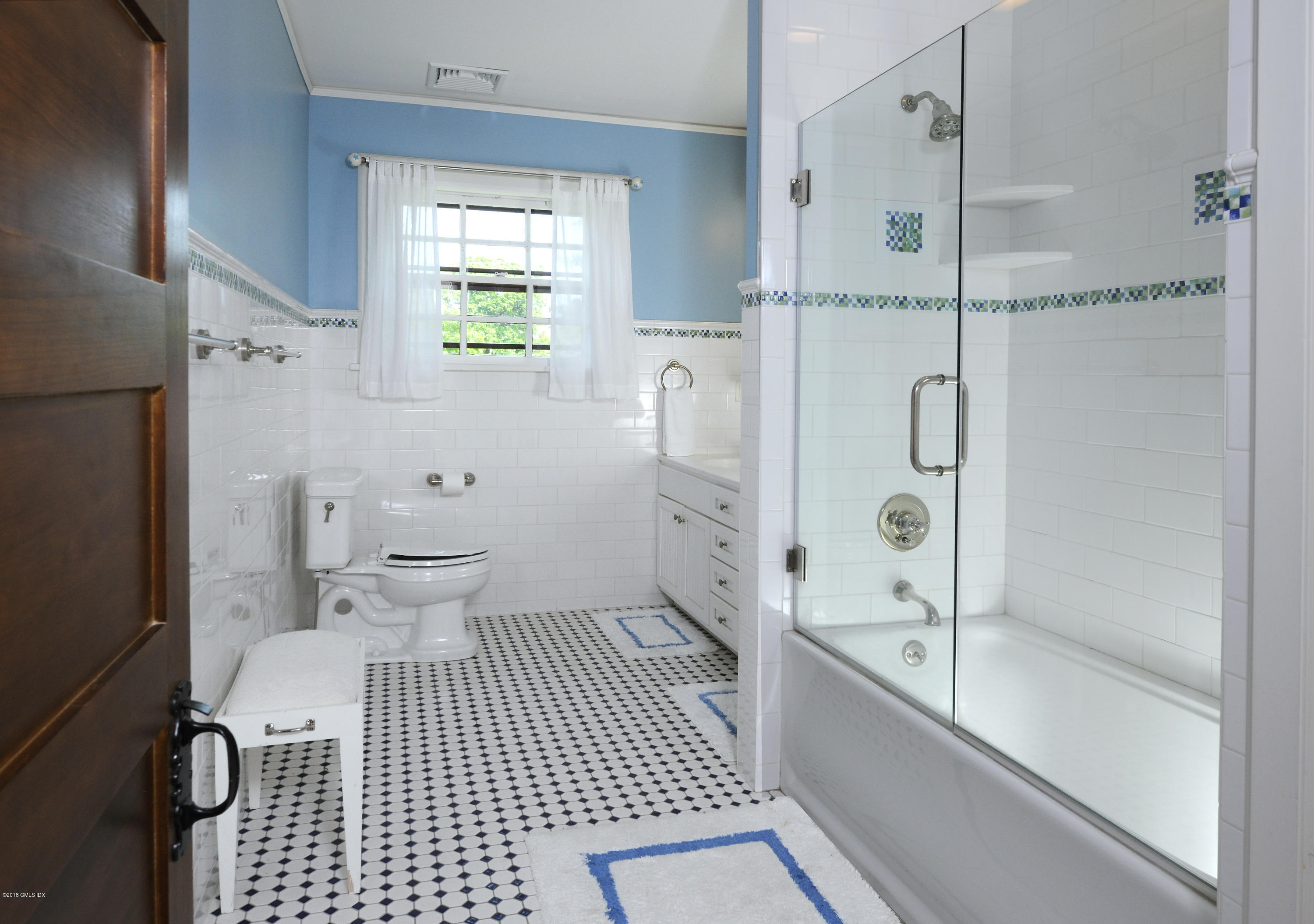 5 Ledge Road,Old Greenwich,Connecticut 06870,6 Bedrooms Bedrooms,4 BathroomsBathrooms,Single family,Ledge,105780