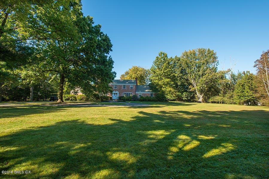 33 Meadowcroft Lane,Greenwich,Connecticut 06830,5 Bedrooms Bedrooms,3 BathroomsBathrooms,Meadowcroft,105820