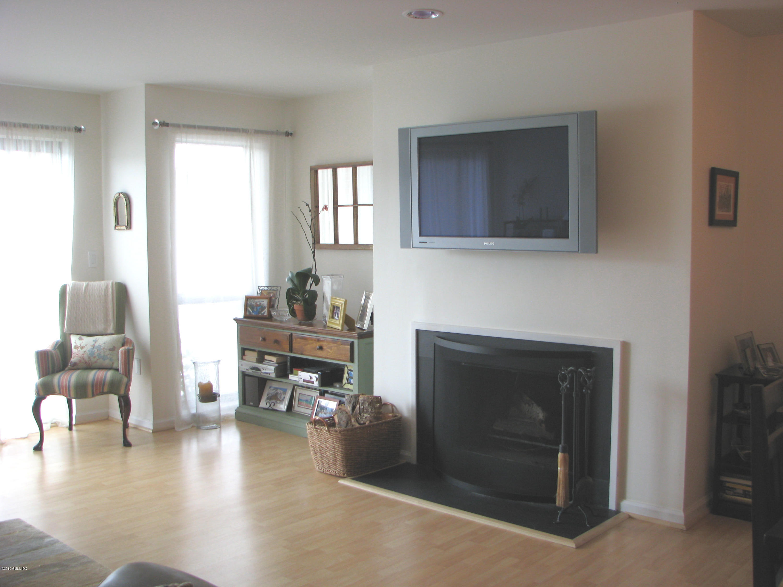 15 River Road,Cos Cob,Connecticut 06807,2 Bedrooms Bedrooms,2 BathroomsBathrooms,Condominium,River,105790
