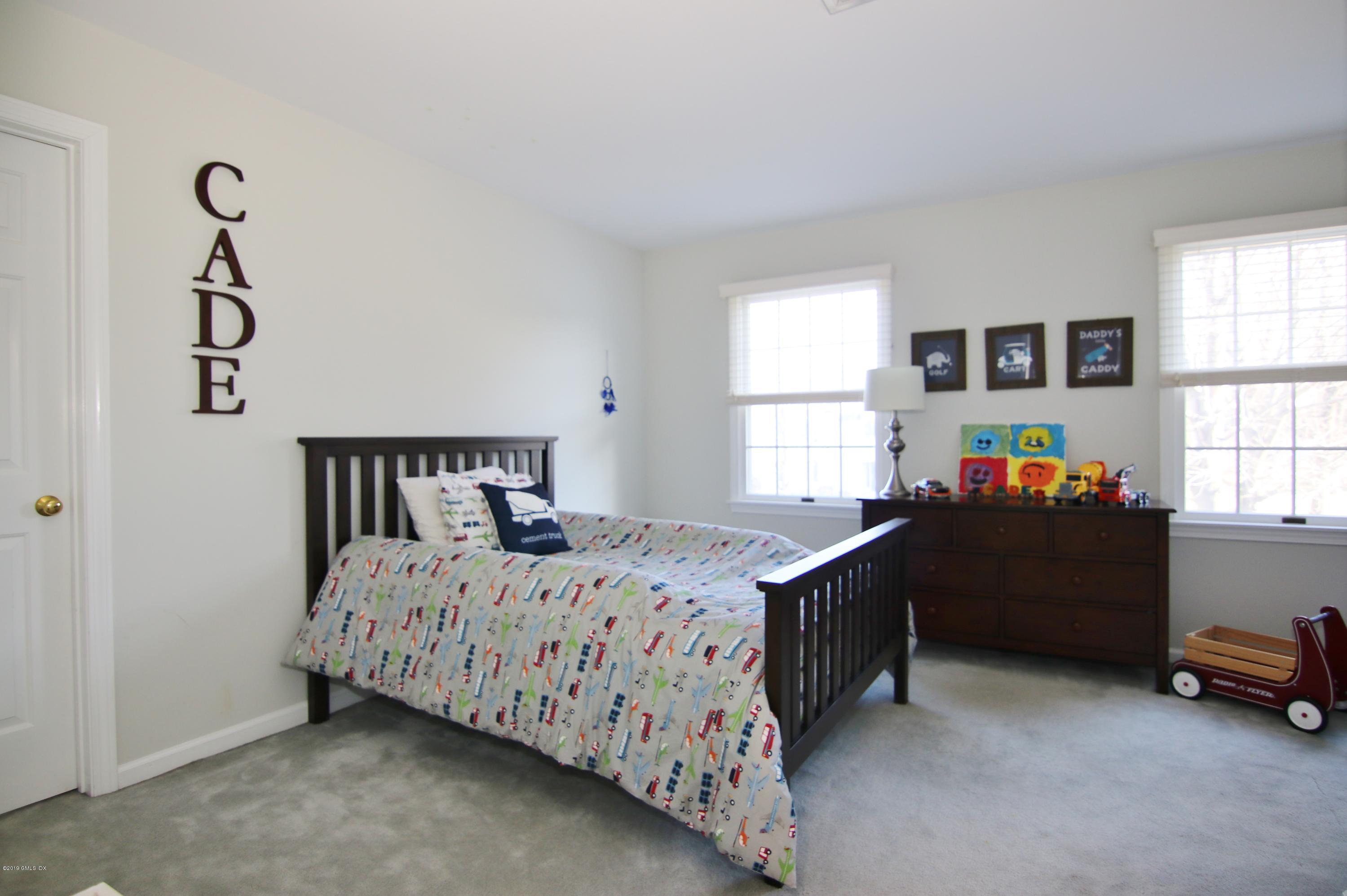 108 Fieldstone Terrace, Stamford, CT 06902