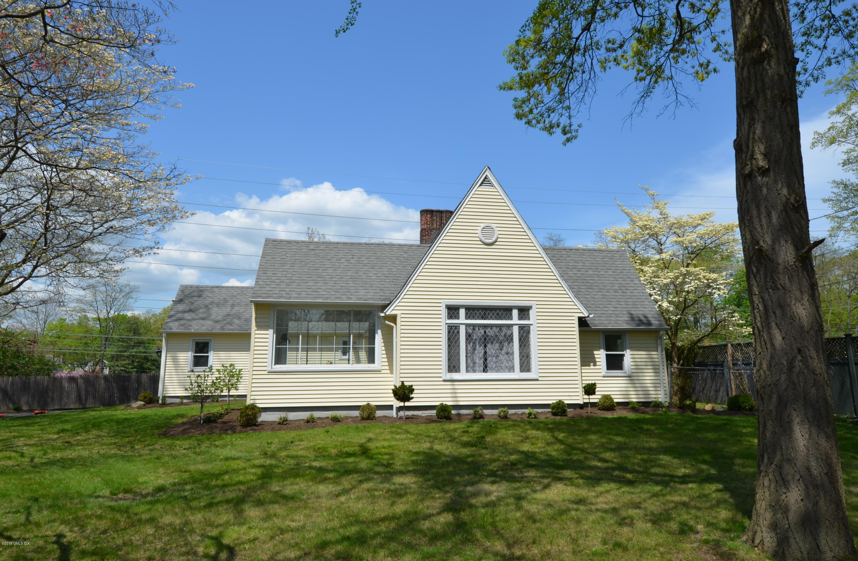55 Oval Avenue, Riverside, CT 06878