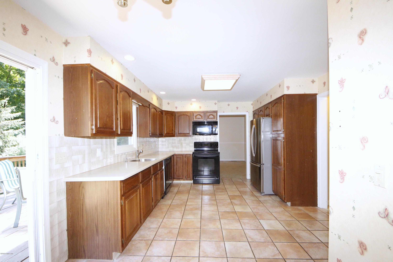 48 Grumman Avenue, Norwalk, CT 06851