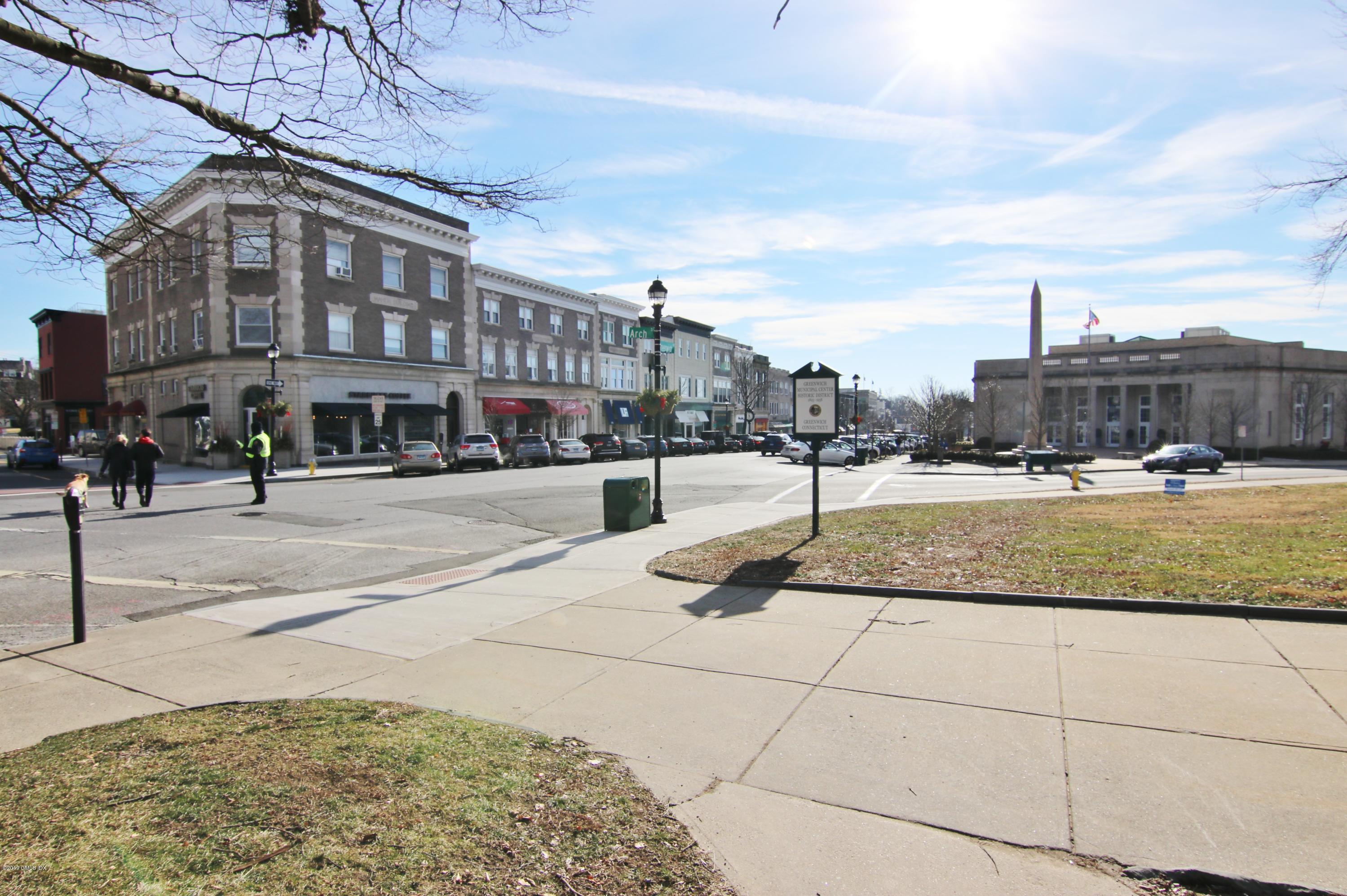 40 W Elm Street, #1M, Greenwich, CT 06830