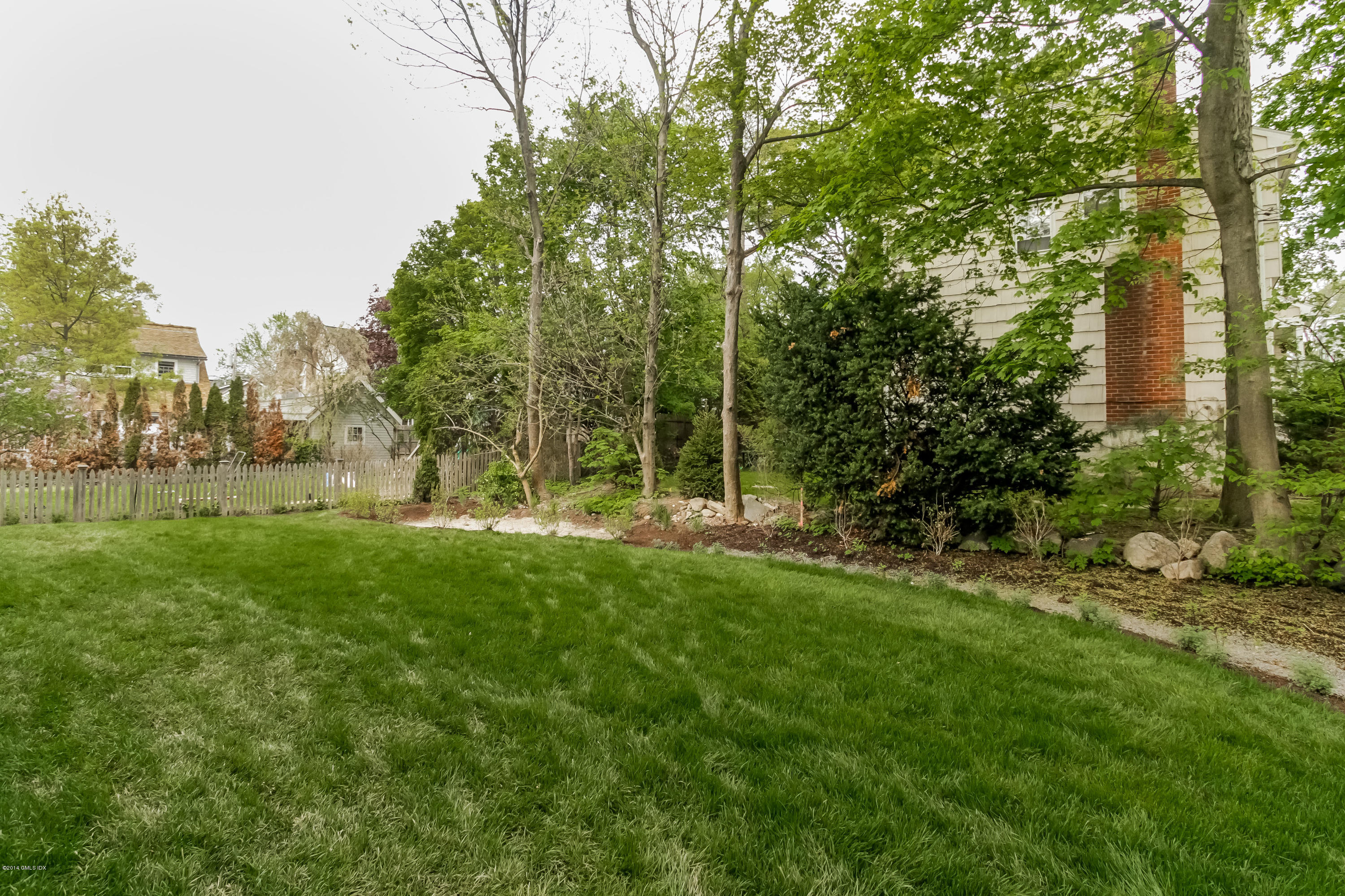 4 Lockwood Drive, Old Greenwich, CT 06870