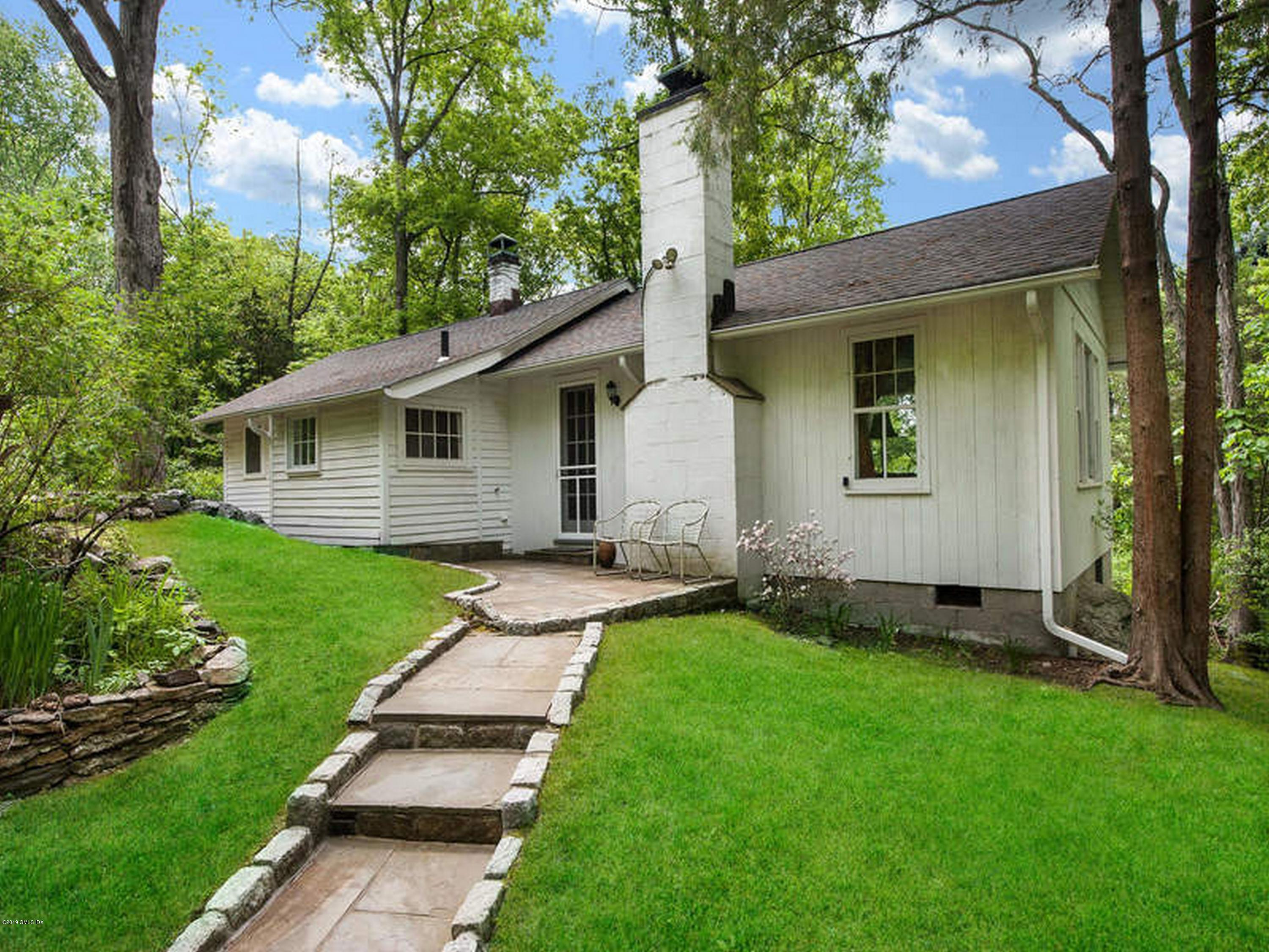 45 Cliffdale Road, Greenwich, CT 06831