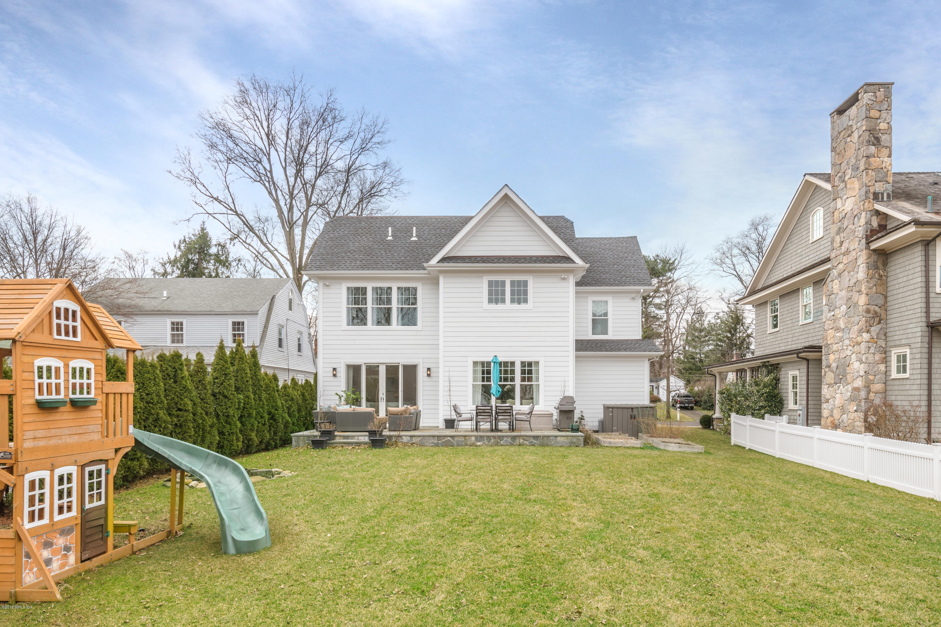 32 Park Avenue, Old Greenwich, CT 06870