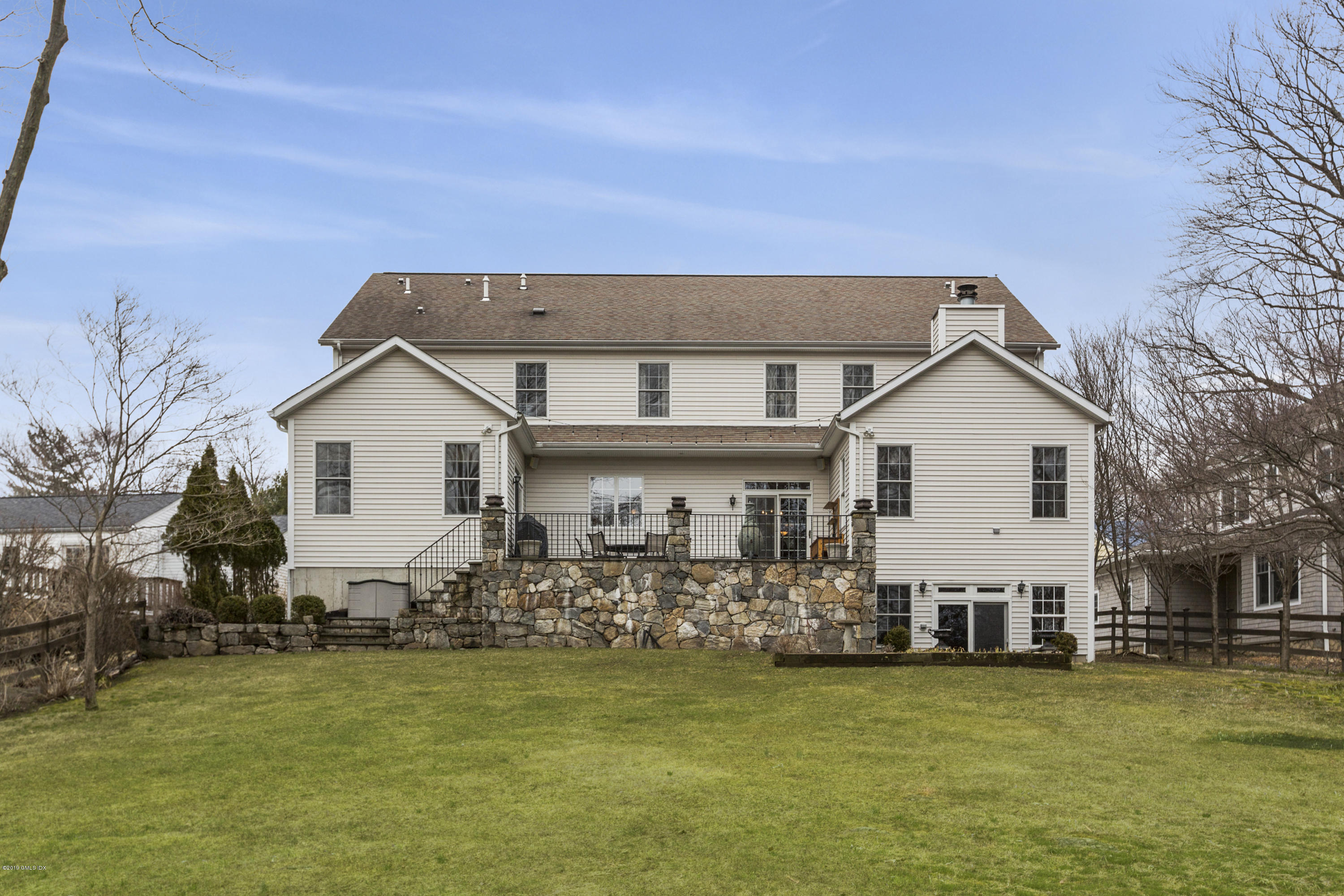 32 North Ridge Road, Old Greenwich, CT 06870
