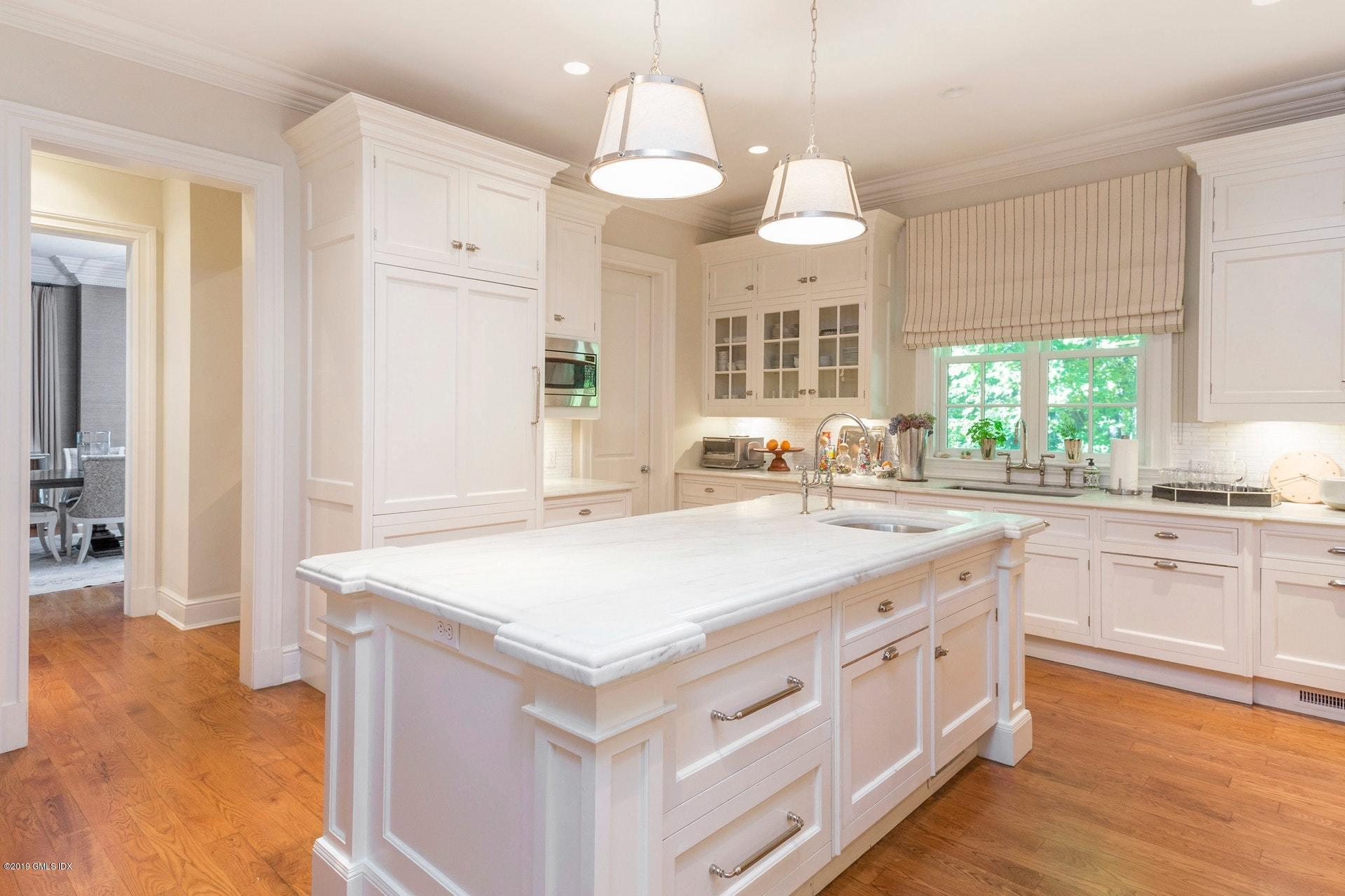 41 Birchwood Drive, Greenwich, CT 06831