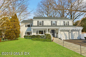 12 Innis Lane, Old Greenwich, CT 06870