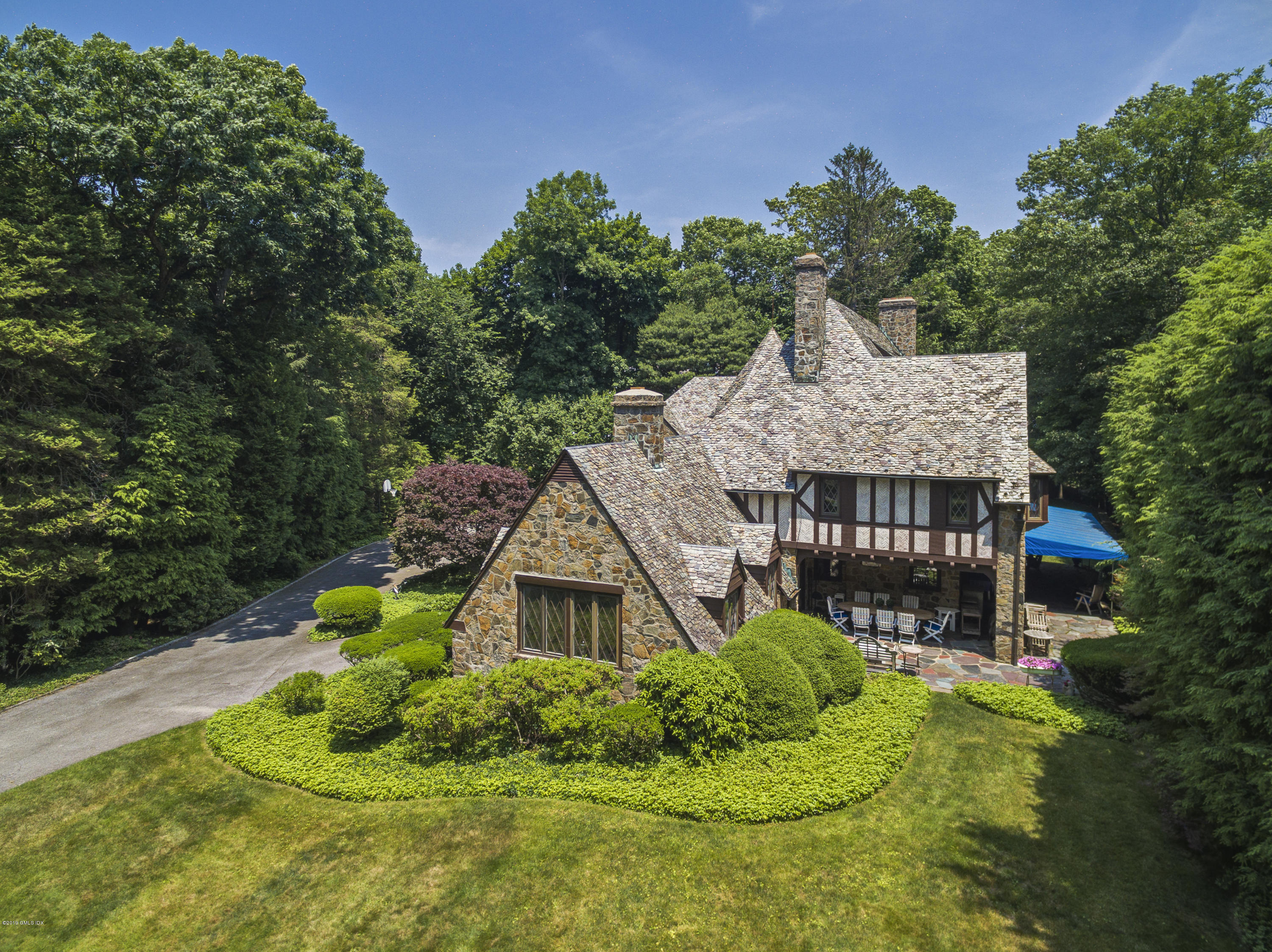 11 Alden Road, Greenwich, CT 06831