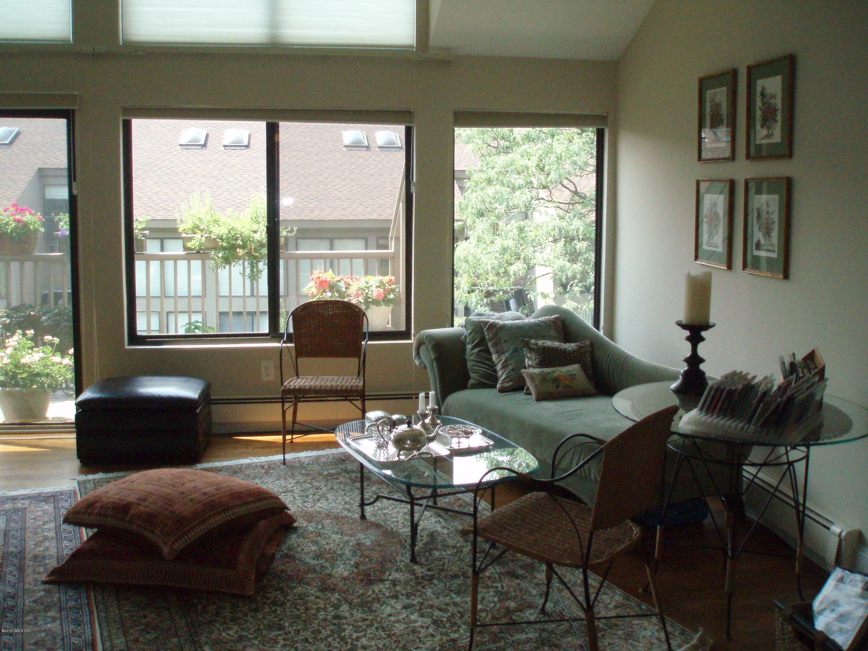 1465 E Putnam Avenue, #415, Old Greenwich, CT 06870