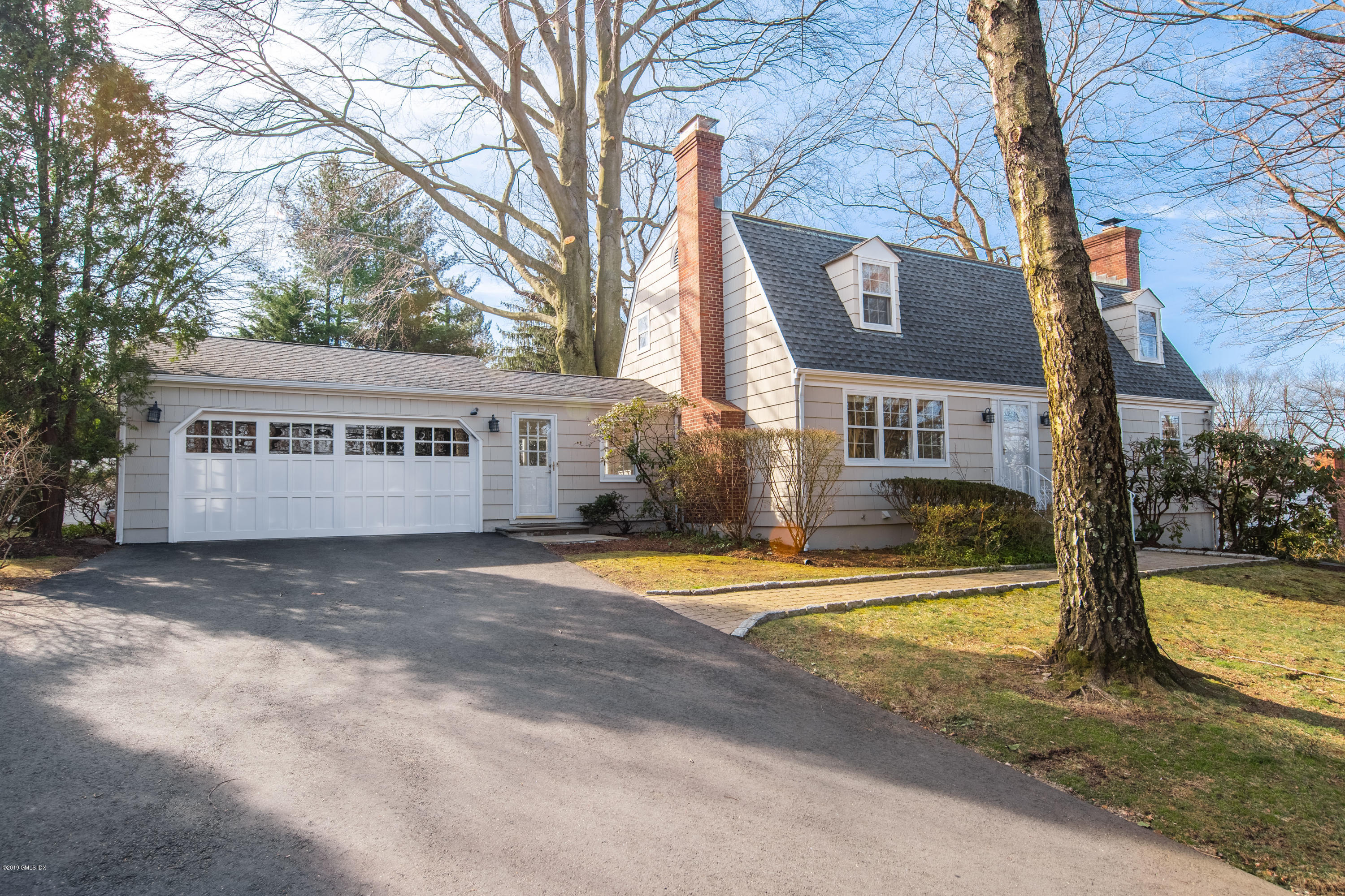 240 Palmer Hill Road, Old Greenwich, CT 06870