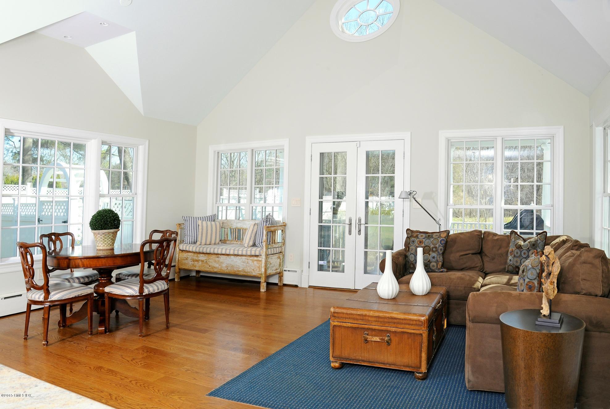 12 Carrington Drive,Greenwich,Connecticut 06831,6 Bedrooms Bedrooms,4 BathroomsBathrooms,Single family,Carrington,106173