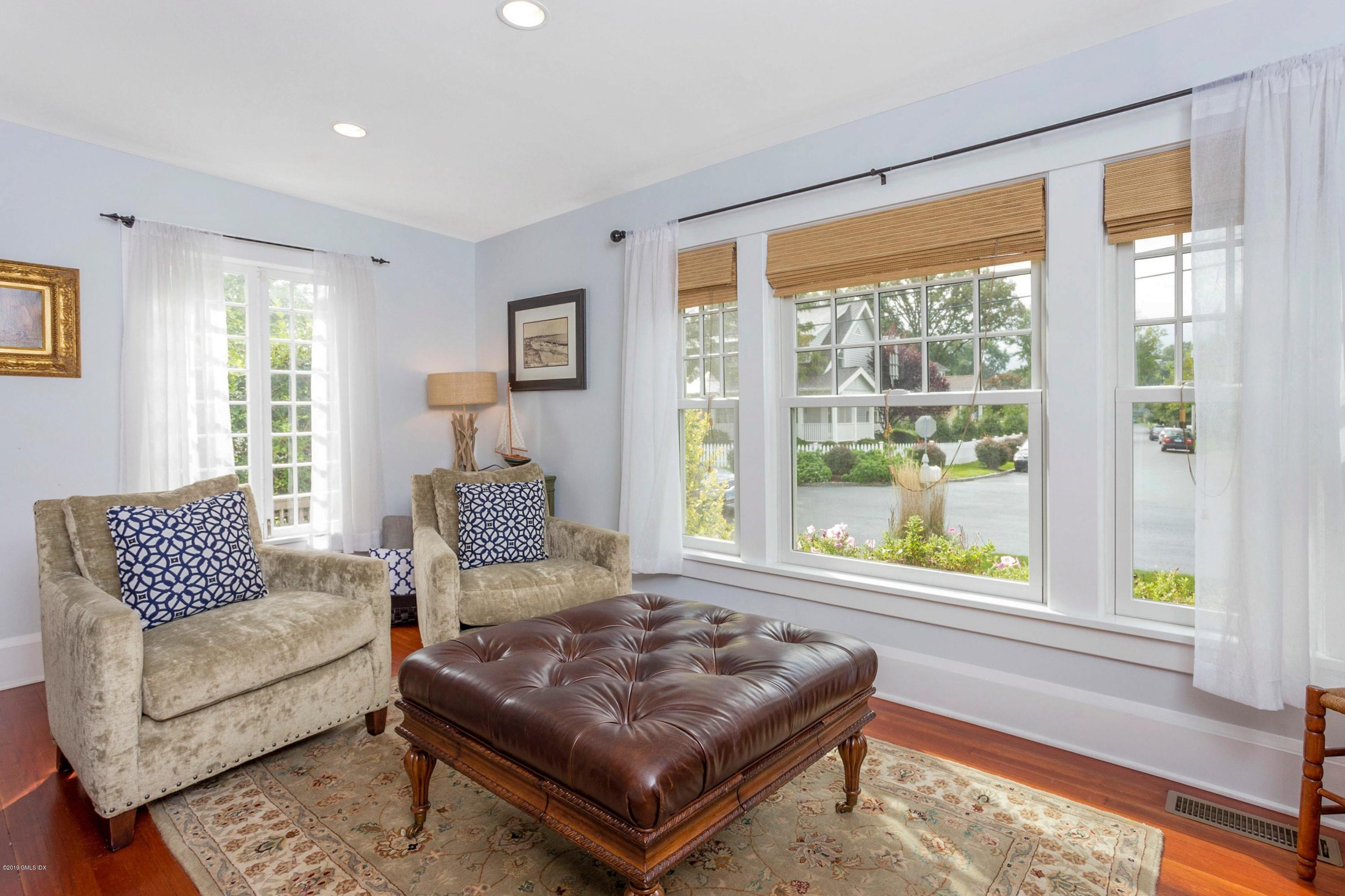 17 Edgewater Drive, Old Greenwich, CT 06870
