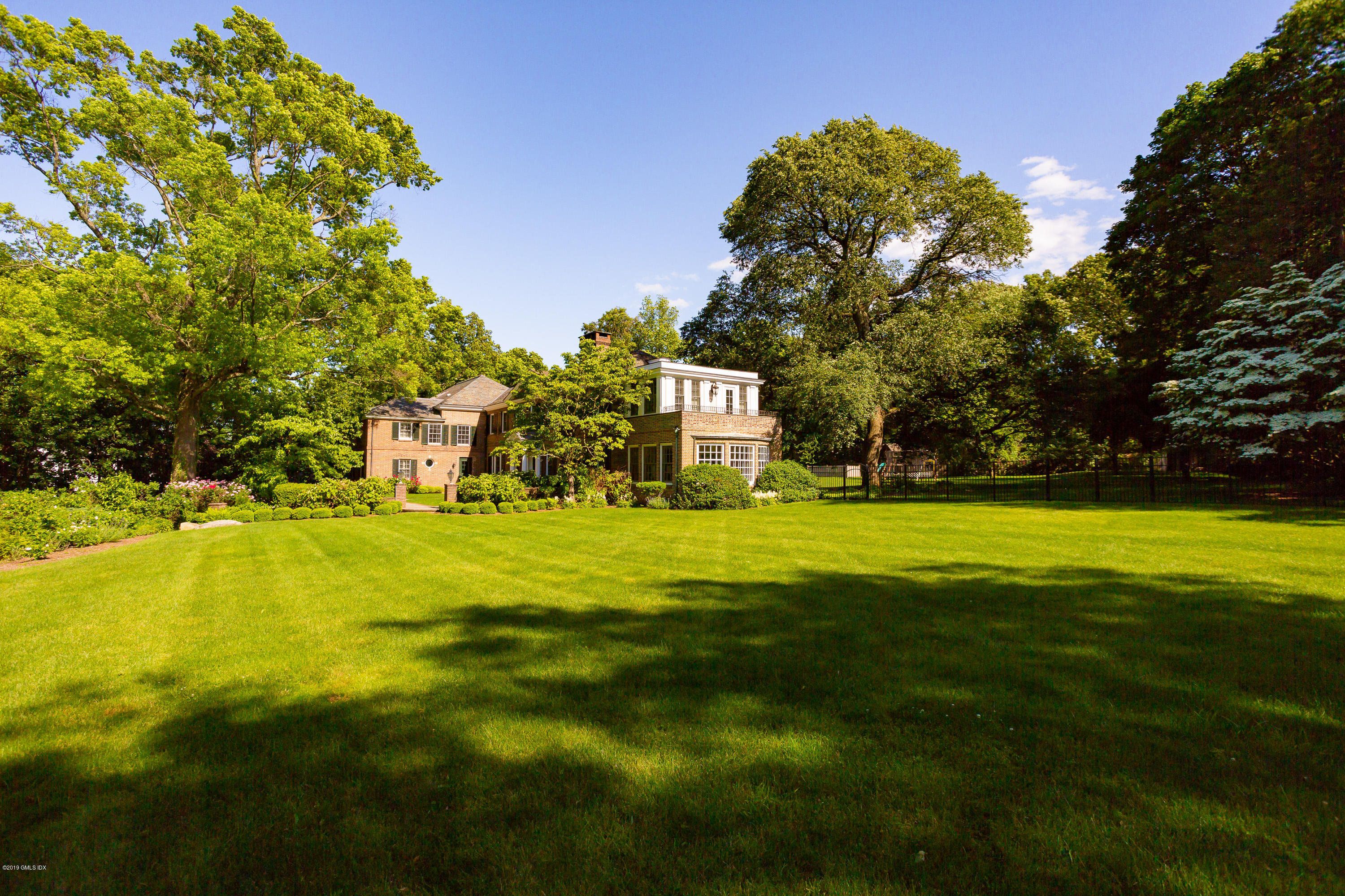 11 Deer Park Court, Greenwich, CT 06830