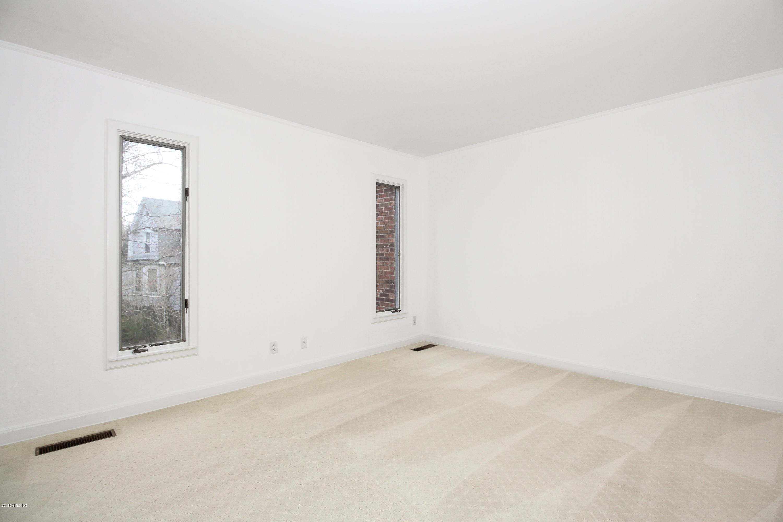 101 Lewis Street, J, Greenwich, CT 06830