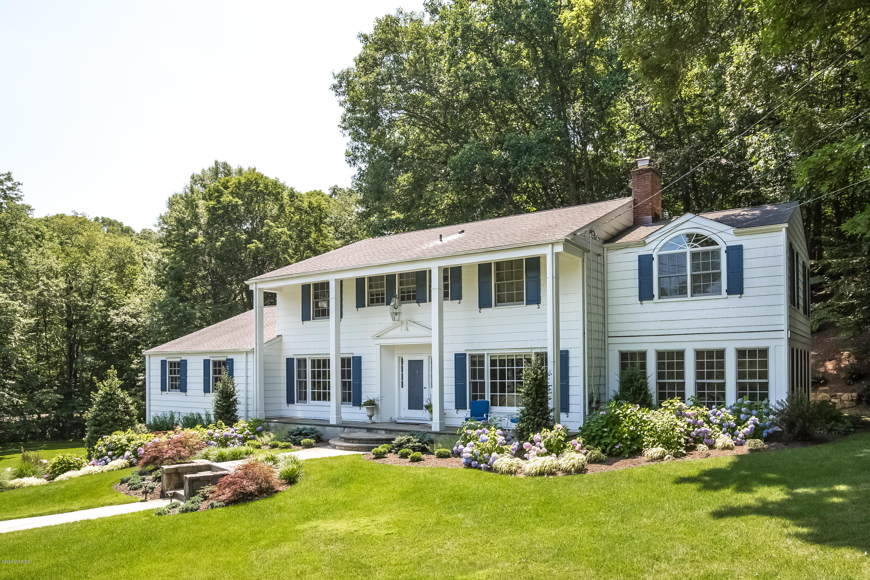 41 Frontier Road,Cos Cob,Connecticut 06807,5 Bedrooms Bedrooms,3 BathroomsBathrooms,Single family,Frontier,105538