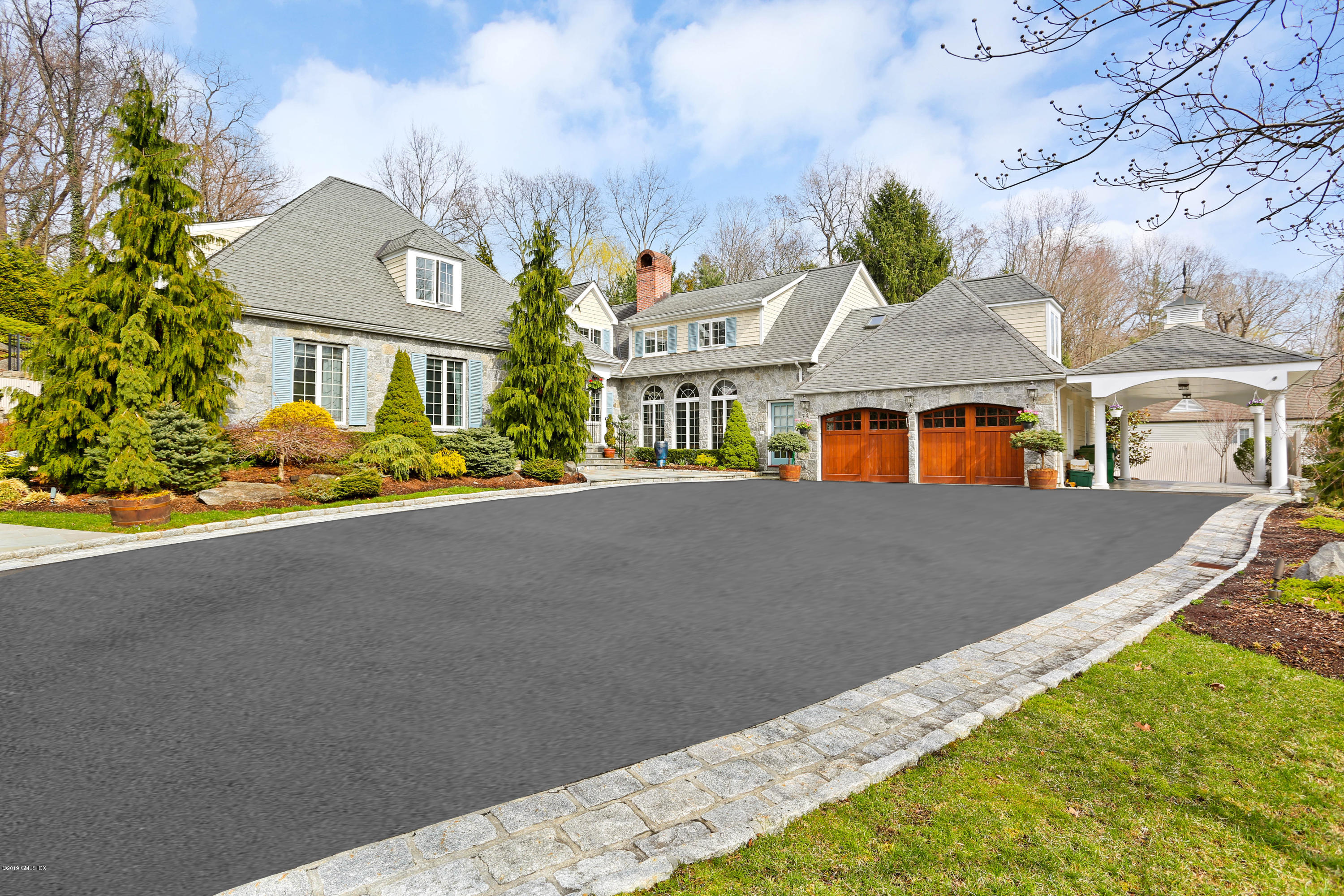 17 Cotswood Road,Greenwich,Connecticut 06830,6 Bedrooms Bedrooms,5 BathroomsBathrooms,Single family,Cotswood,106190