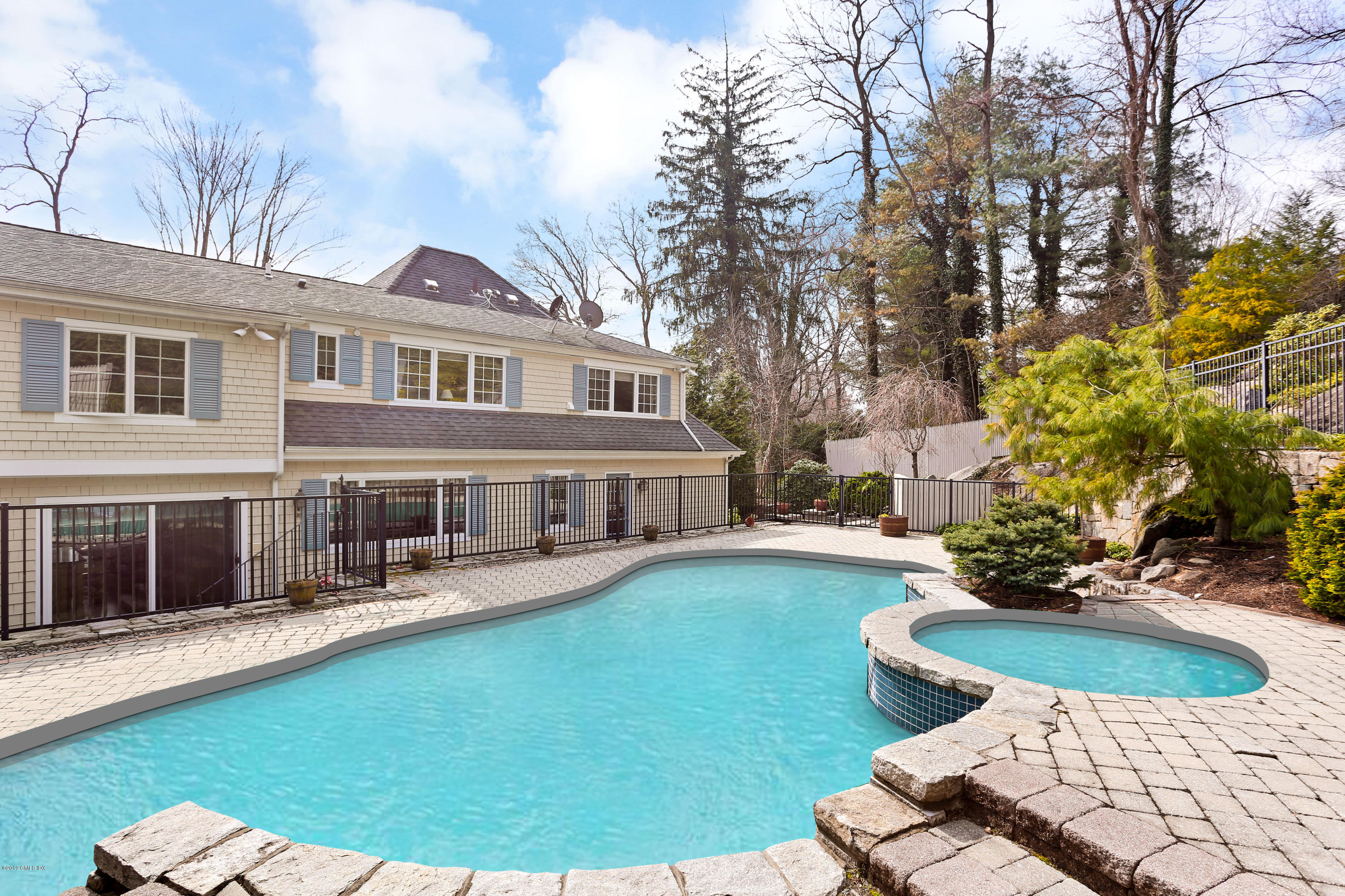17 Cotswood Road, Greenwich, CT 06830