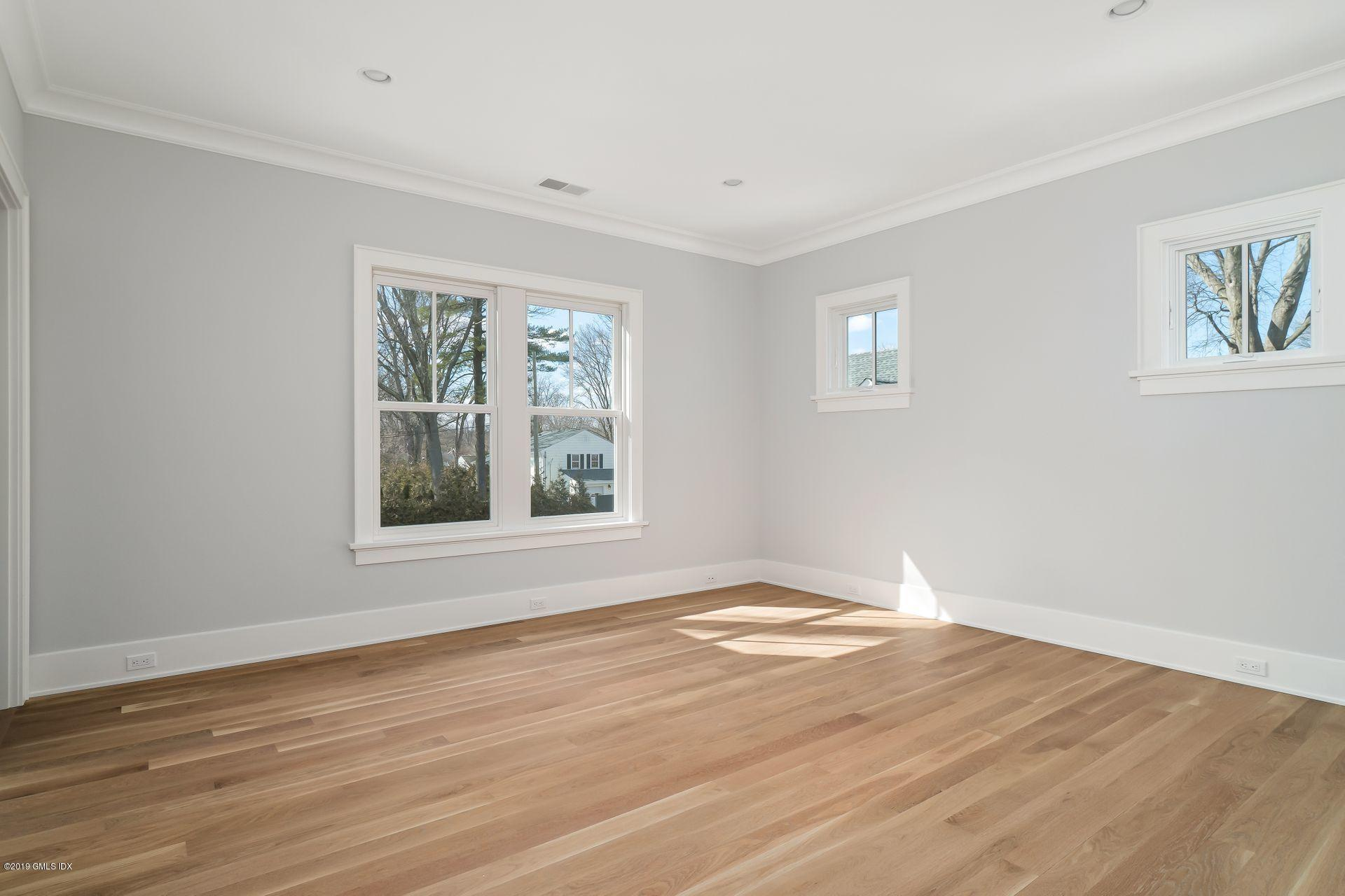 50 Lockwood Avenue, Old Greenwich, CT 06870