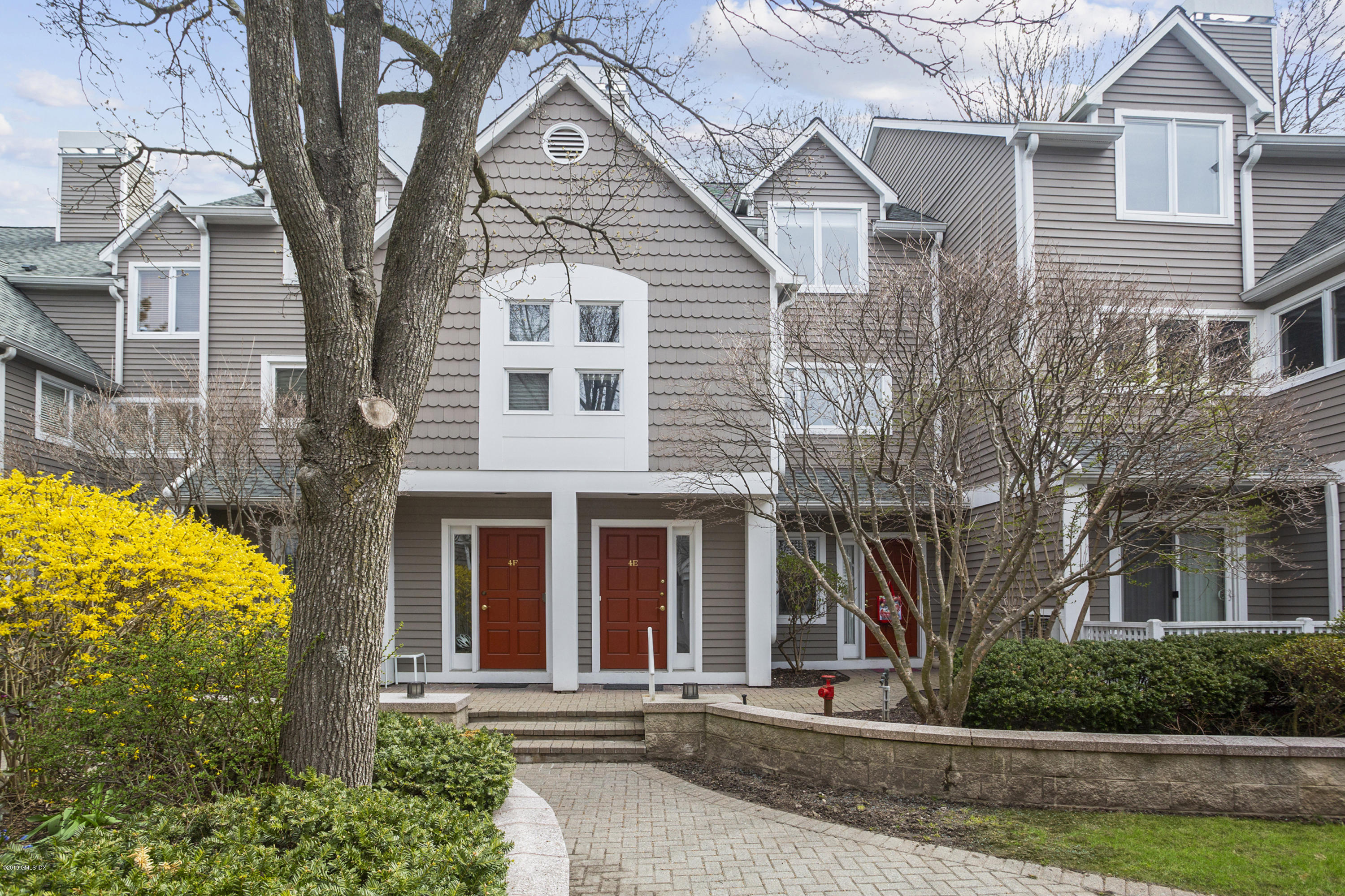 453 E Putnam Avenue, #4E, Cos Cob, CT 06807