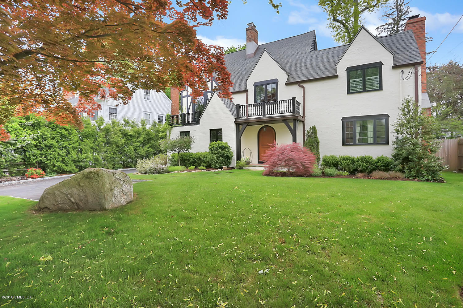 72 Summit Road, Riverside, CT 06878