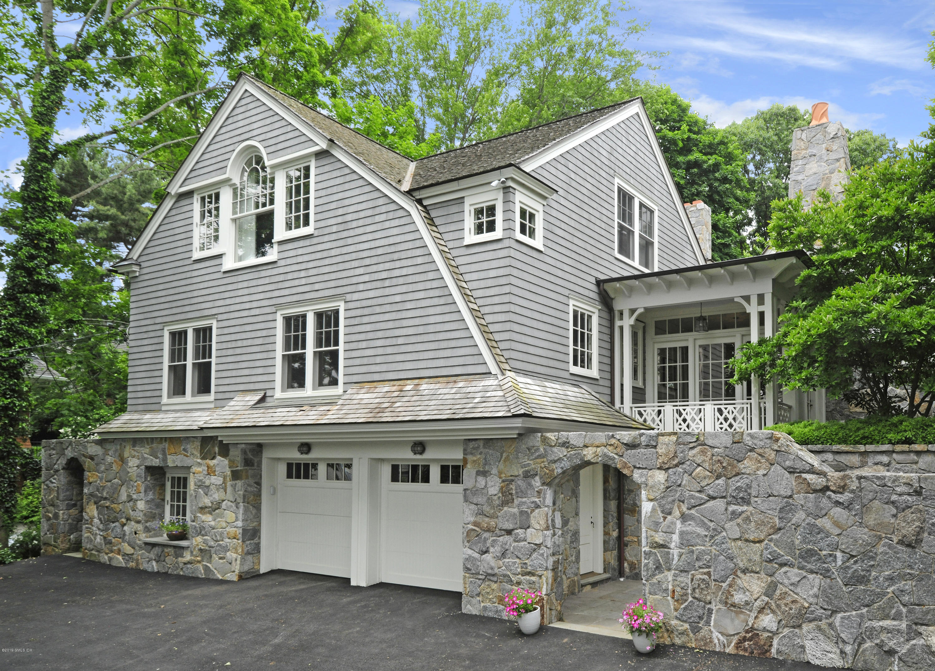 17 Hendrie Drive, Old Greenwich, CT 06870