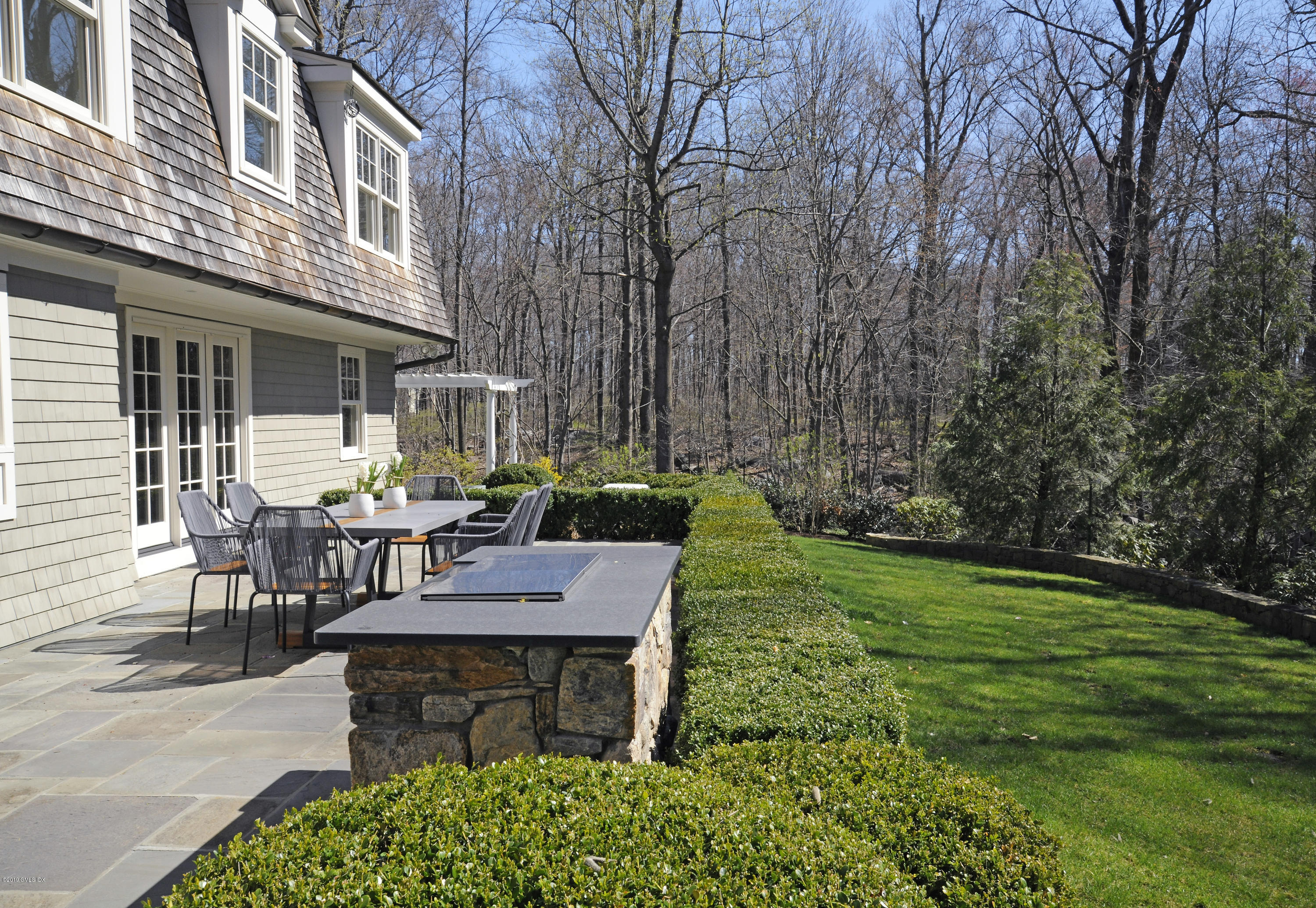 110 Londonderry Drive, Greenwich, CT 06830