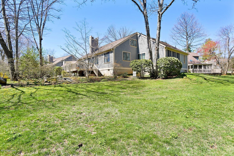 214 W Lyon Farm Drive, #214, Greenwich, CT 06831