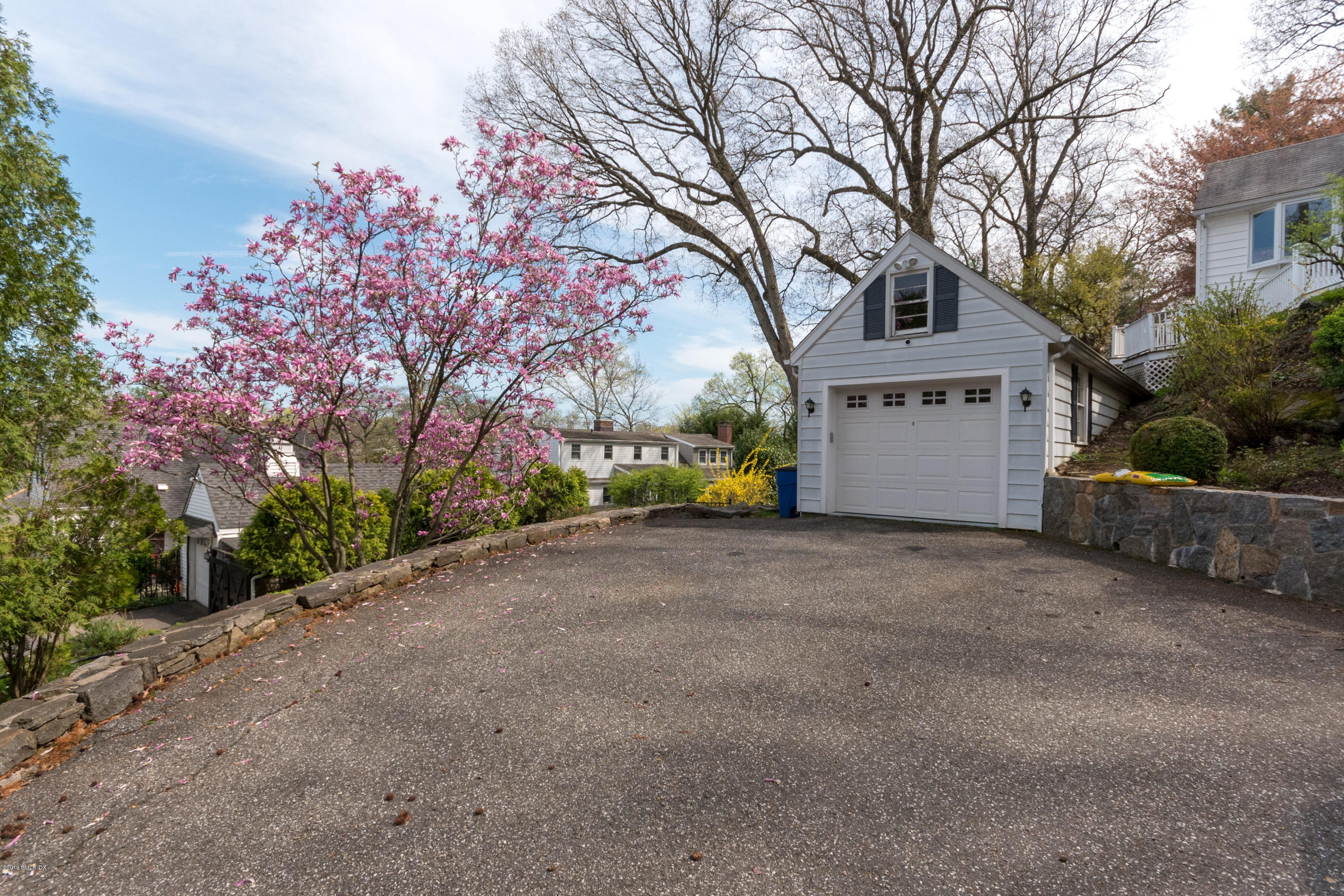14 Summit Road, Riverside, CT 06878