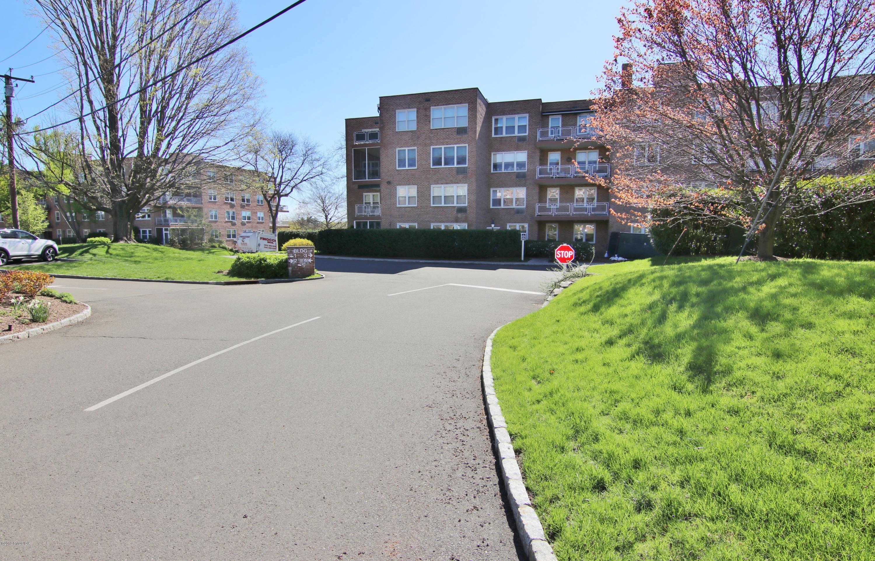 2 Putnam Hill, #4B, Greenwich, CT 06830