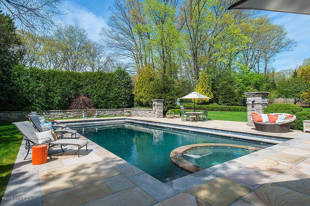 80 Midwood Road, Greenwich, CT 06830