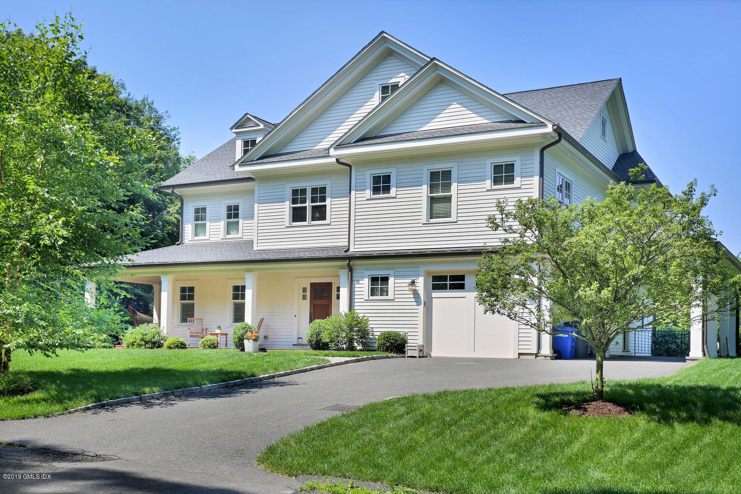 32 High Meadow Road, Old Greenwich, CT 06870