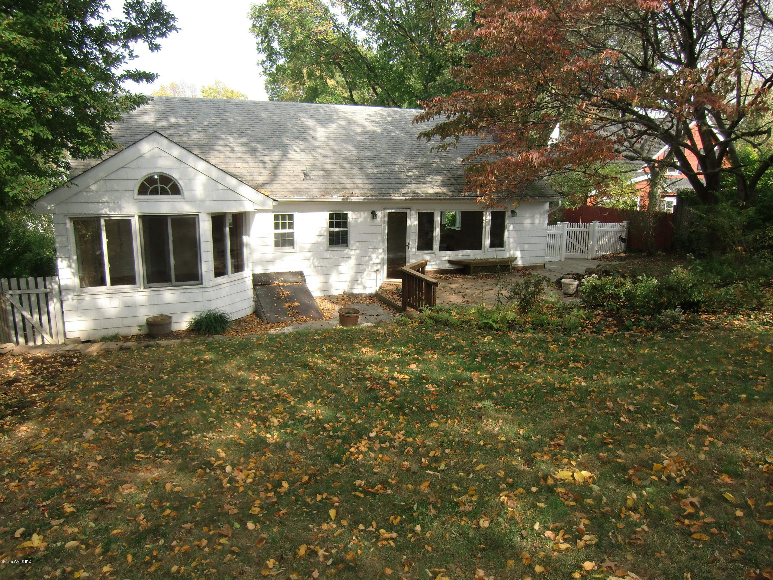 10 Potter Drive, Old Greenwich, CT 06870