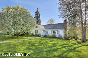 40 Crescent Road, Riverside, CT 06878