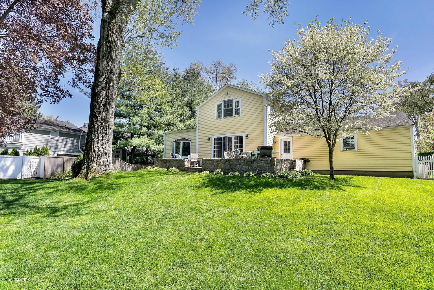 123 Lockwood Road, Riverside, CT 06878