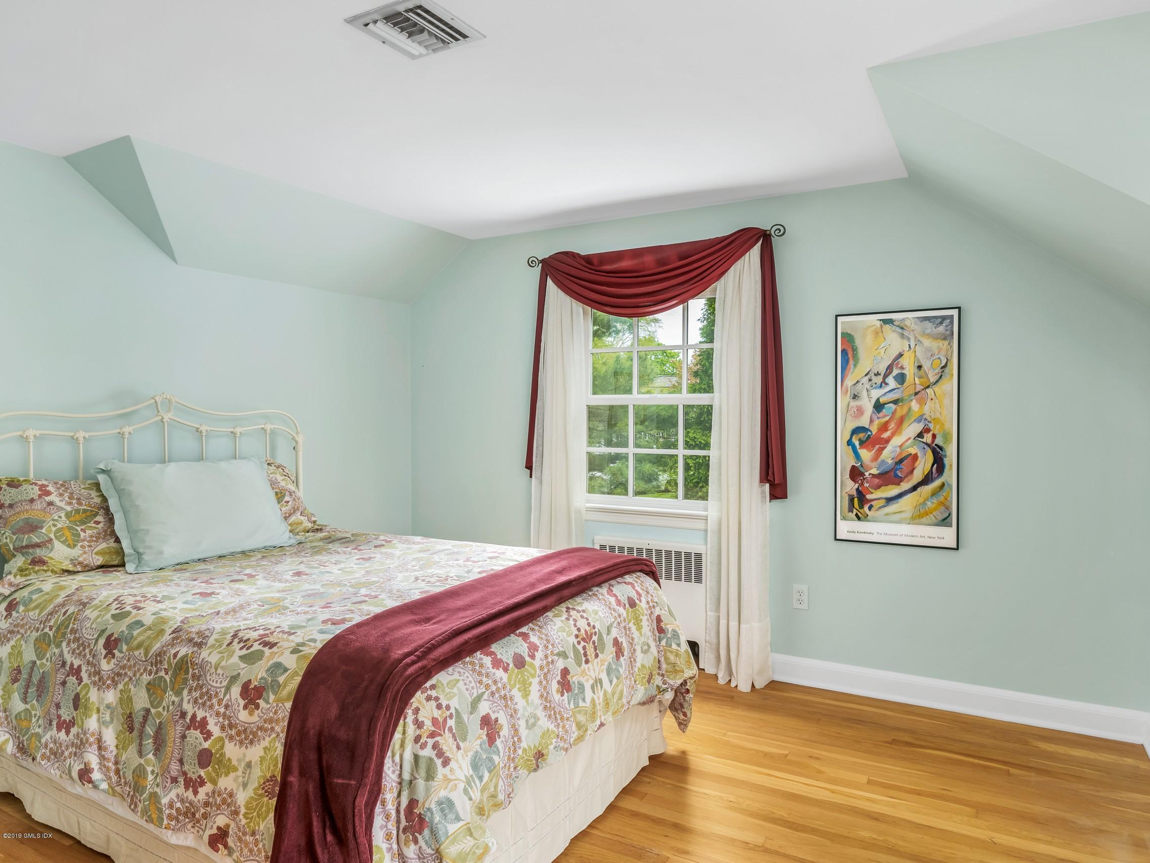 11 Ben Court,Old Greenwich,Connecticut 06870,4 Bedrooms Bedrooms,2 BathroomsBathrooms,Single family,Ben,106616