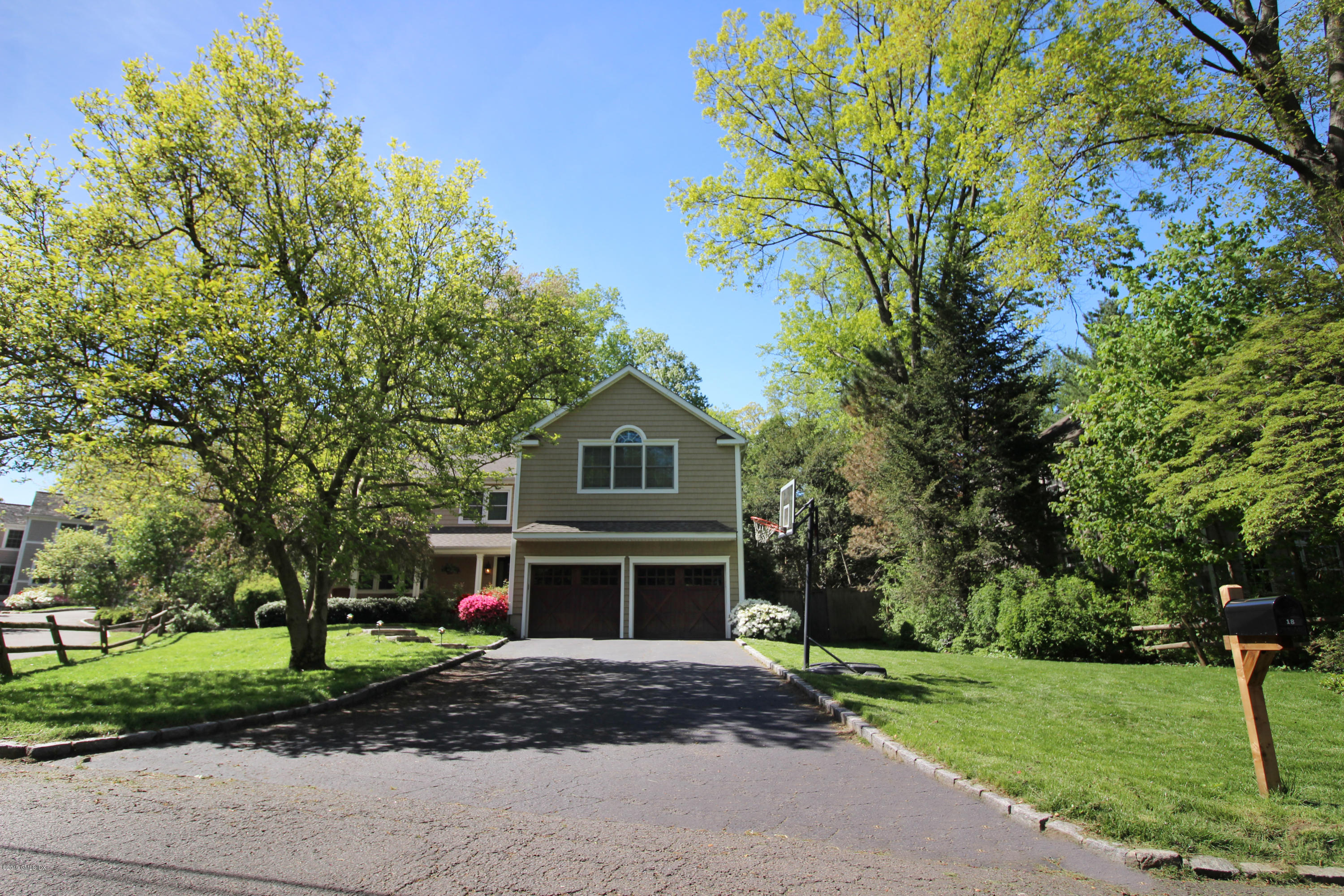 18 Coventry Lane, Riverside, CT 06878