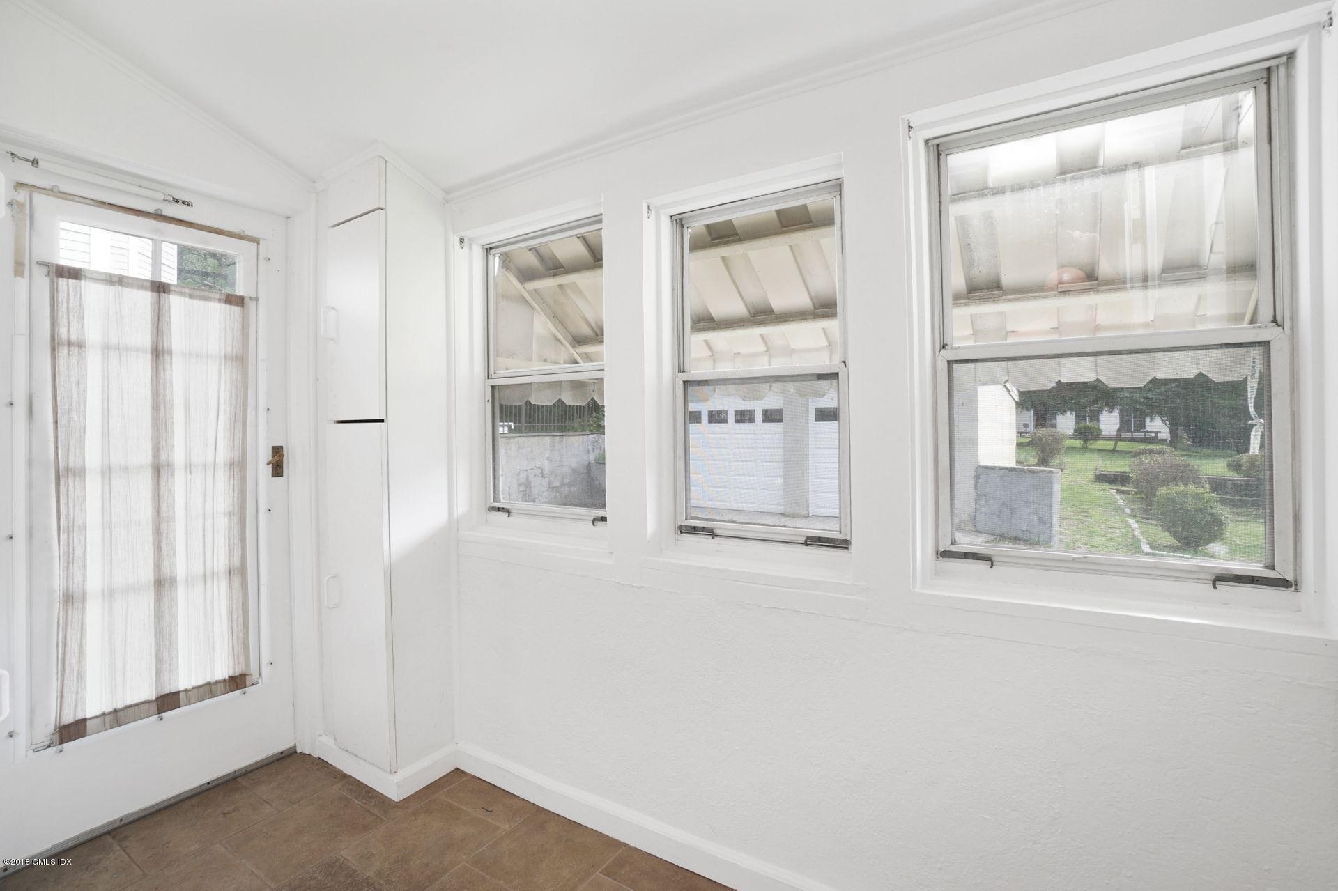 37 Hassake Road,Old Greenwich,Connecticut 06870,3 Bedrooms Bedrooms,1 BathroomBathrooms,Single family,Hassake,106606