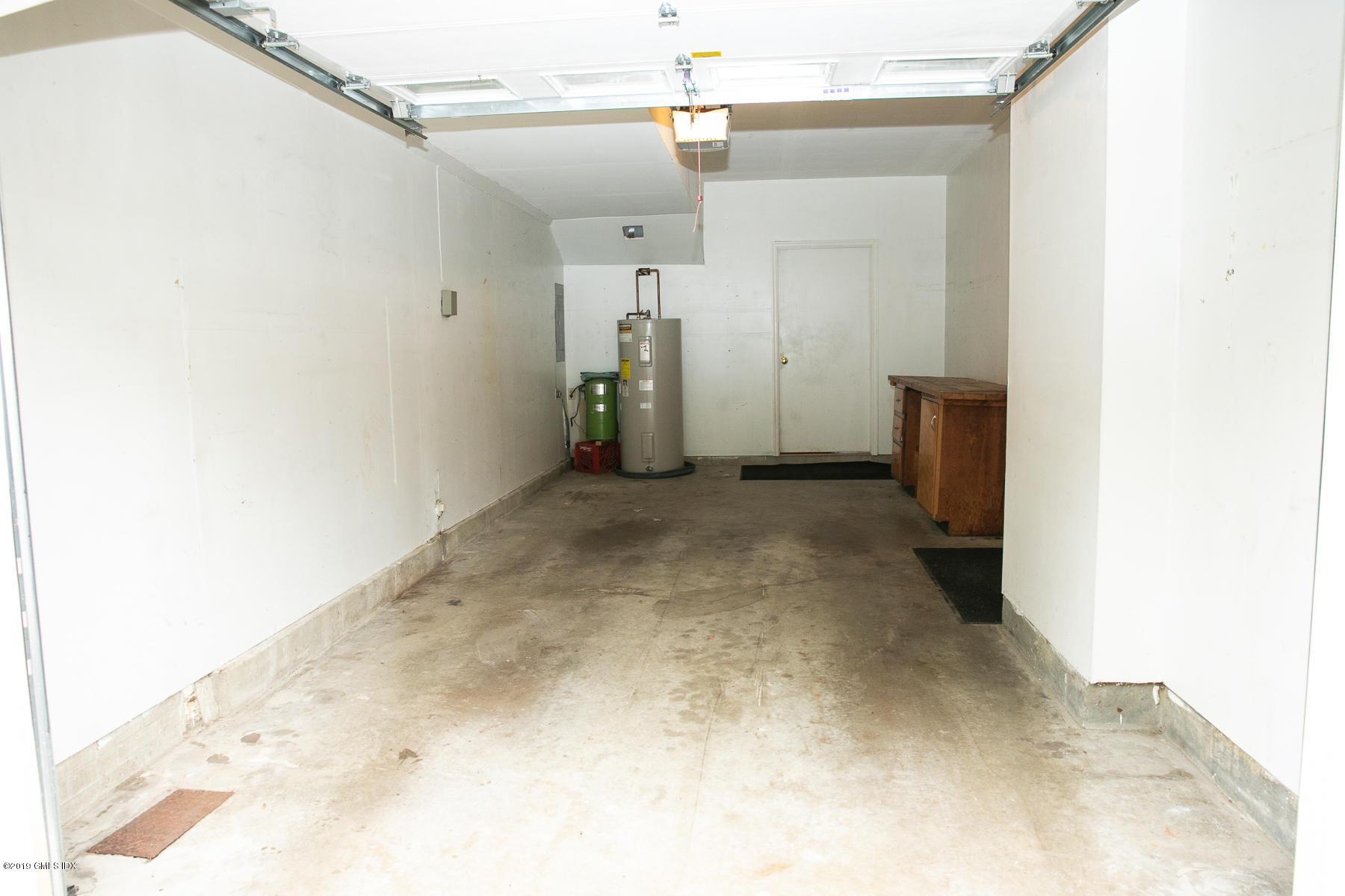 115 River Road,Cos Cob,Connecticut 06807,2 Bedrooms Bedrooms,2 BathroomsBathrooms,Condominium,River,106610