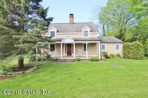 Beautiful colonial nestled in Back Country Greenwich.