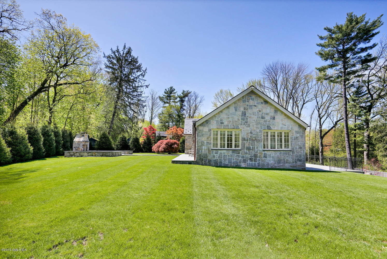 235 Tokeneke Road, Darien, CT 06820