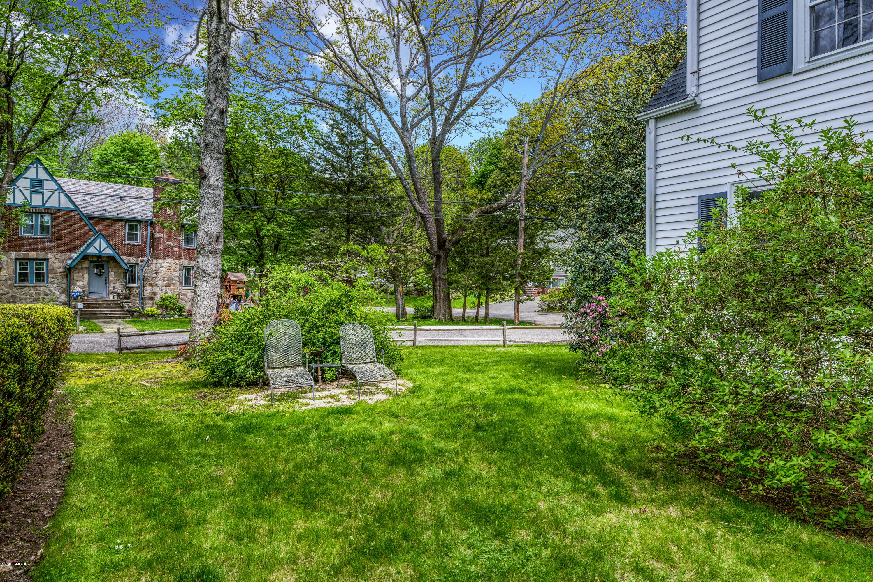 54 Center Drive, Old Greenwich, CT 06870