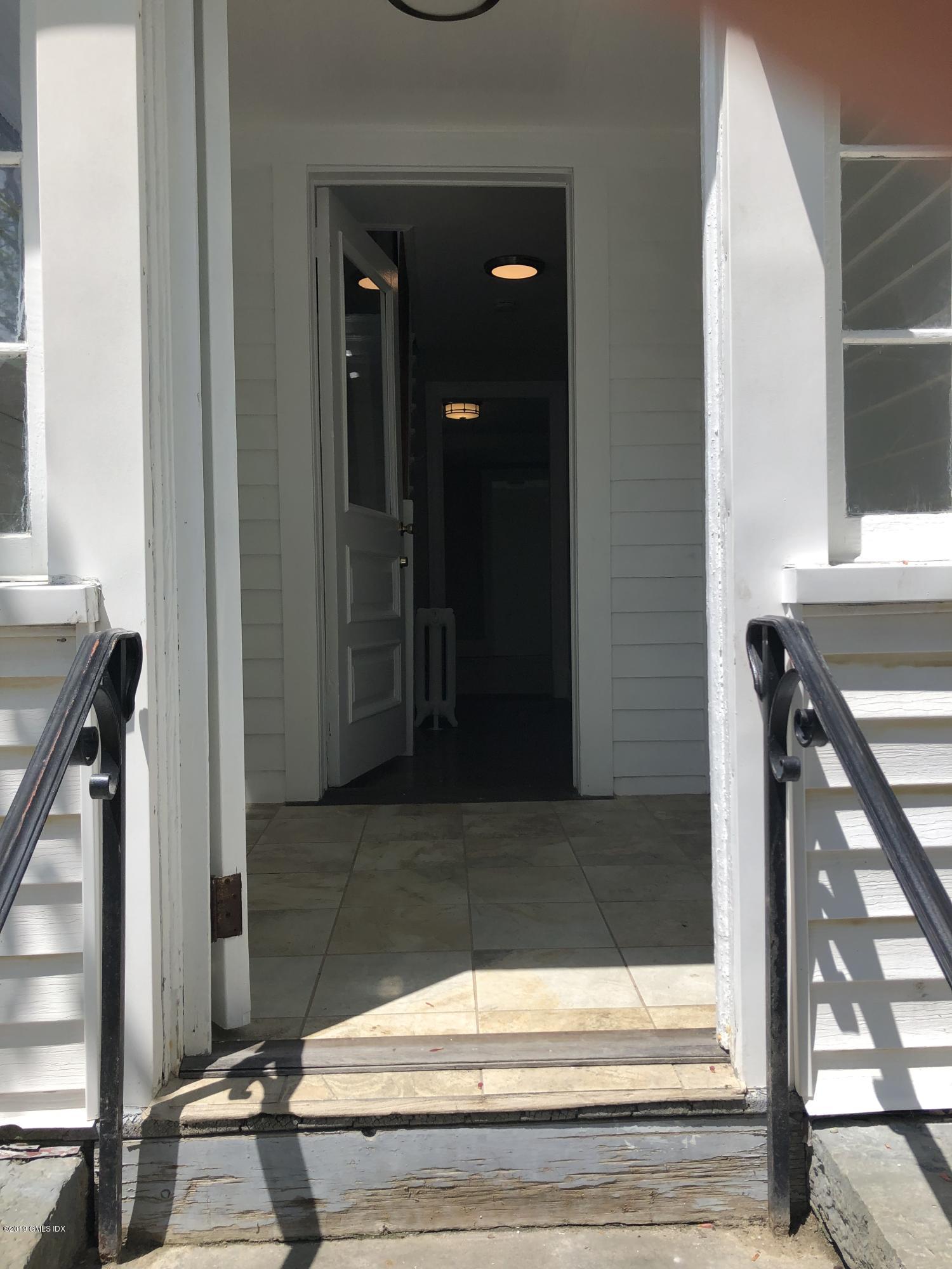 1 Putnam Court, Greenwich, CT 06830