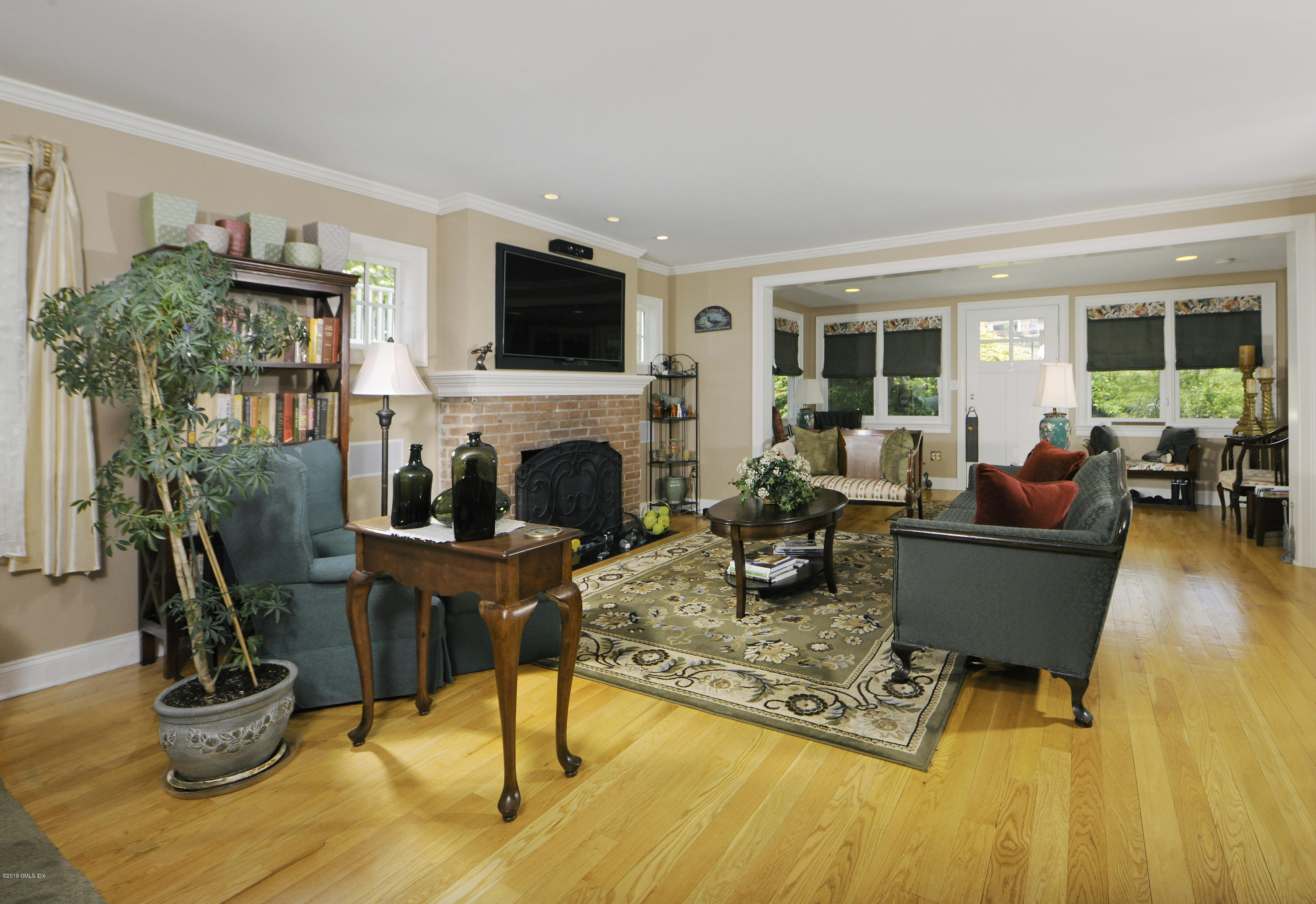 9 Bolling Place, Greenwich, CT 06830