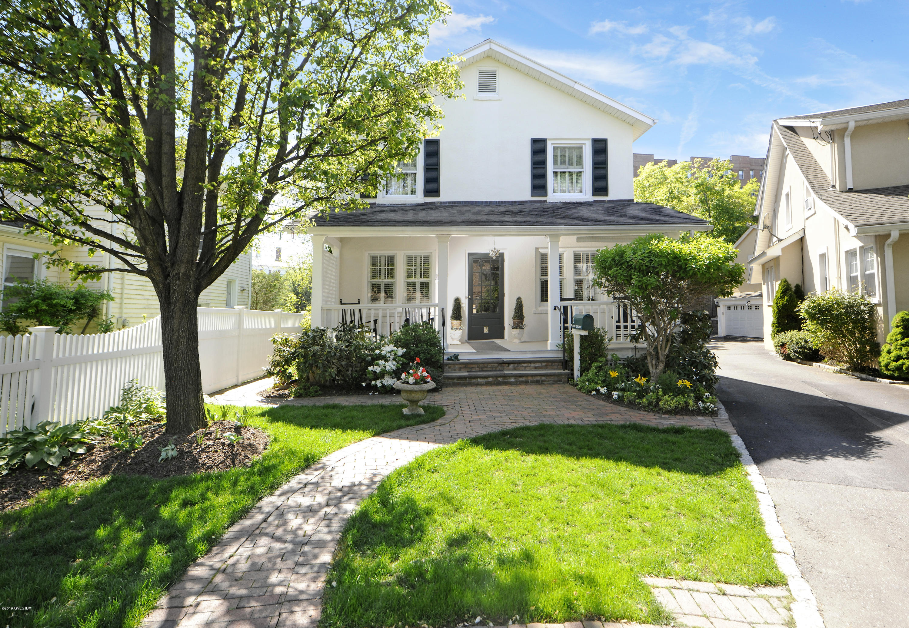 5 Sound View Court,Greenwich,Connecticut 06830,3 Bedrooms Bedrooms,1 BathroomBathrooms,Single family,Sound View,106685