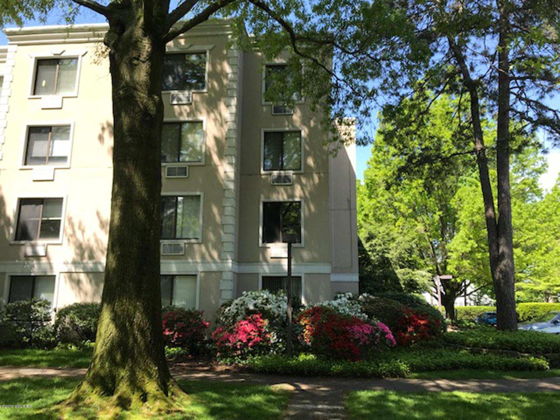 1525 E Putnam Avenue, #301, Old Greenwich, CT 06870