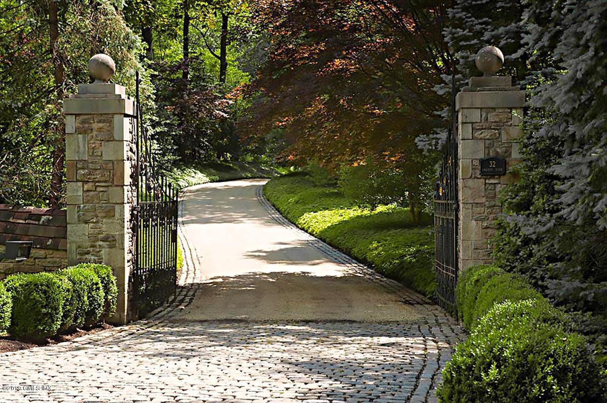 32 Chateau Ridge Drive, Greenwich, CT 06831